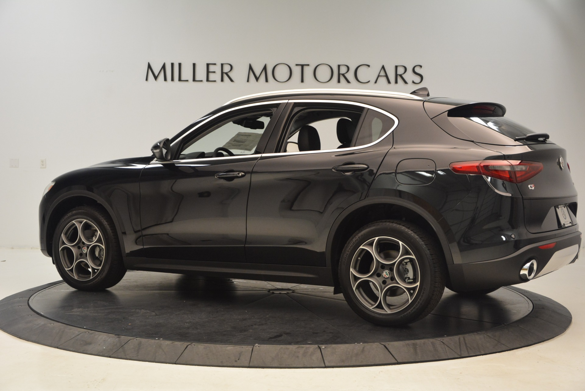 New 2018 Alfa Romeo Stelvio Q4 For Sale In Westport, CT 1522_p4