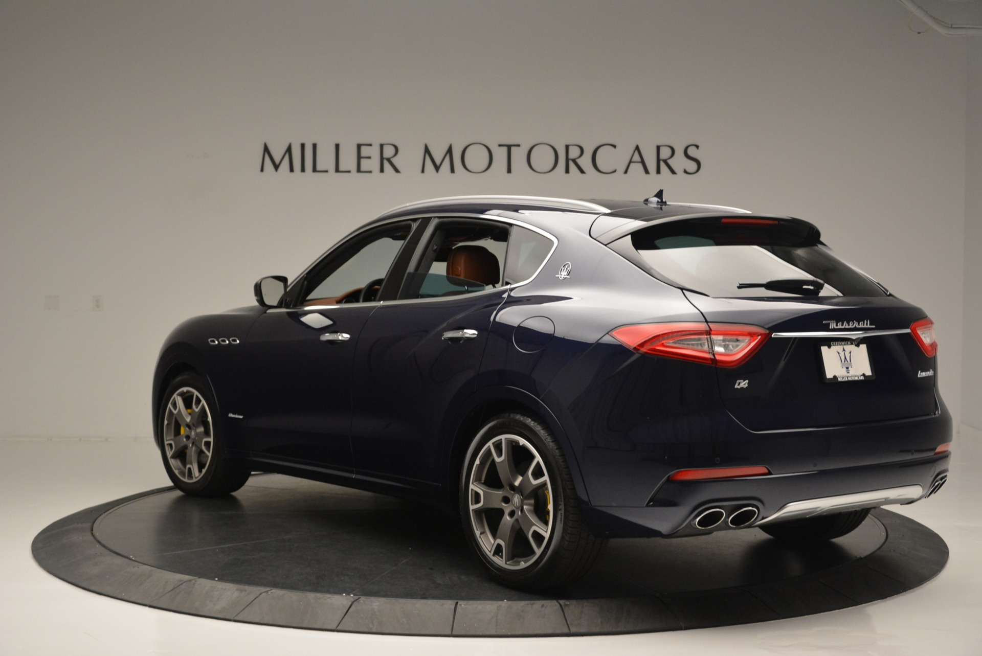 New 2018 Maserati Levante Q4 GranLusso For Sale In Westport, CT 1536_p5