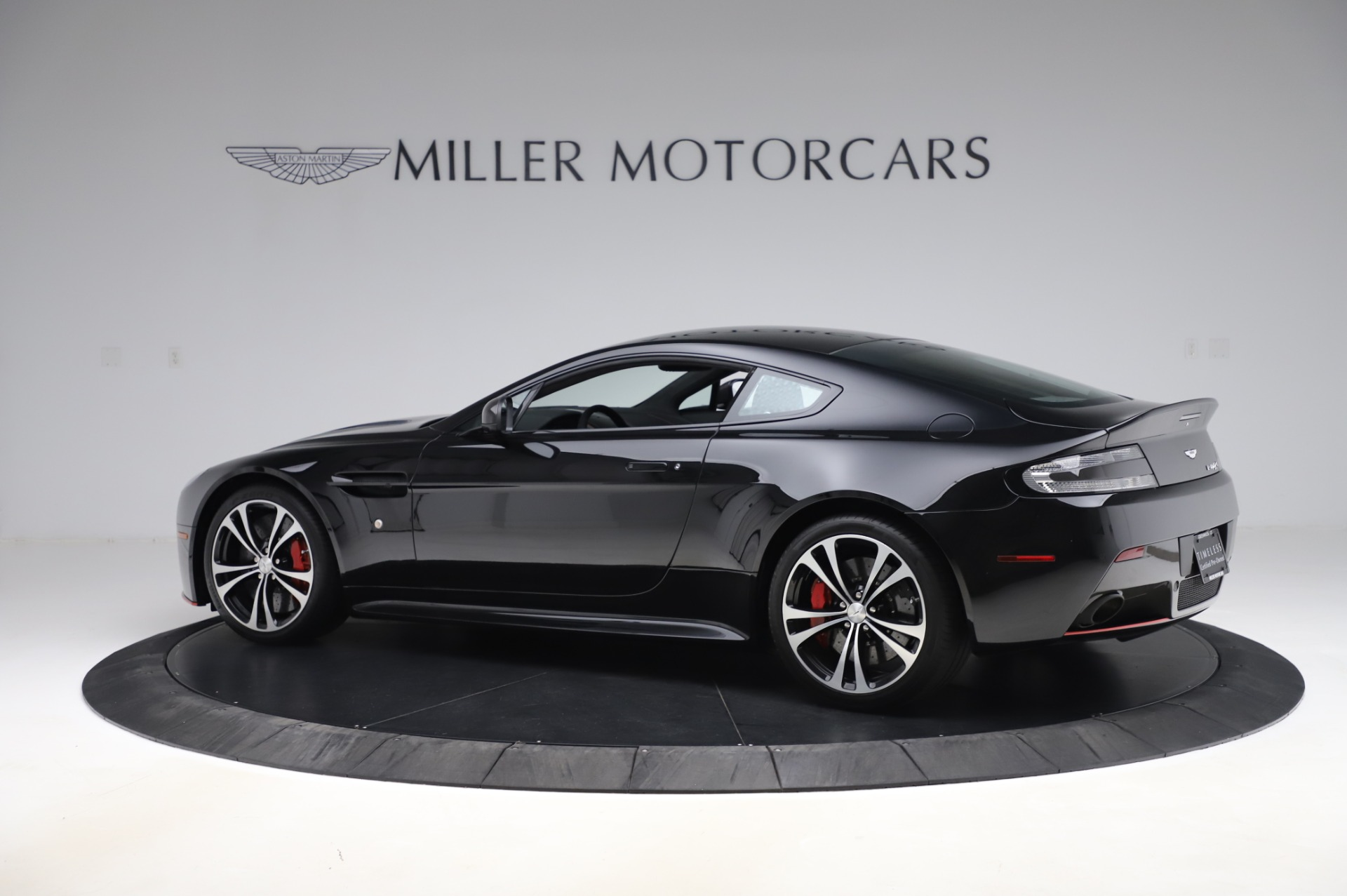 New 2017 Aston Martin V12 Vantage S  For Sale In Westport, CT 1545_p3