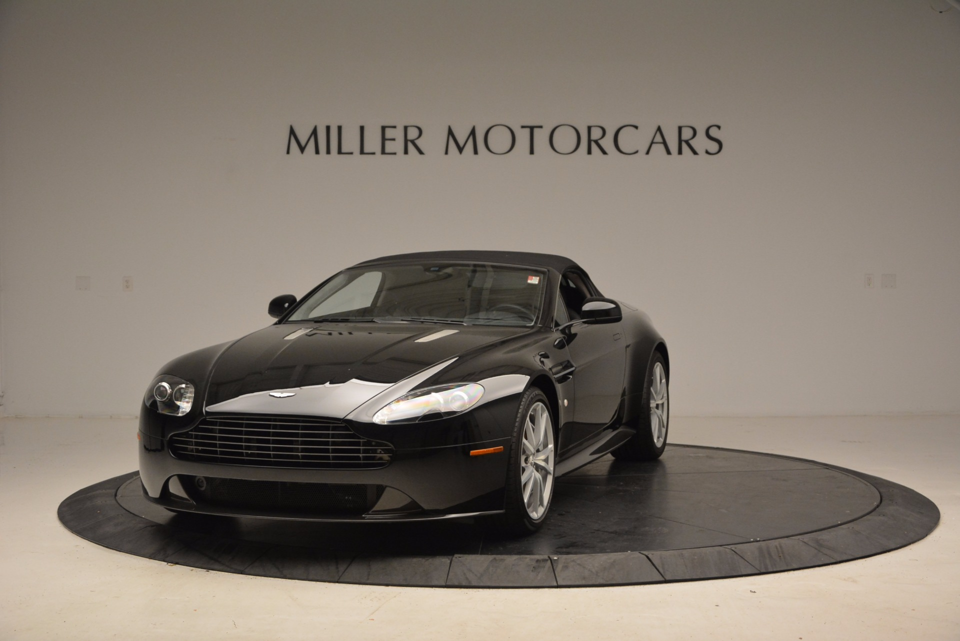 New 2016 Aston Martin V8 Vantage Roadster For Sale In Westport, CT 1546_p13