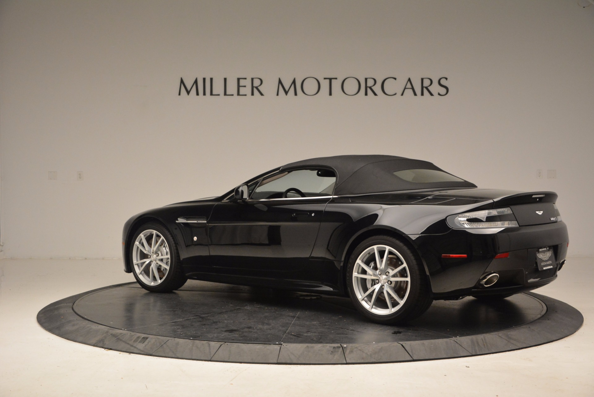 New 2016 Aston Martin V8 Vantage Roadster For Sale In Westport, CT 1546_p16