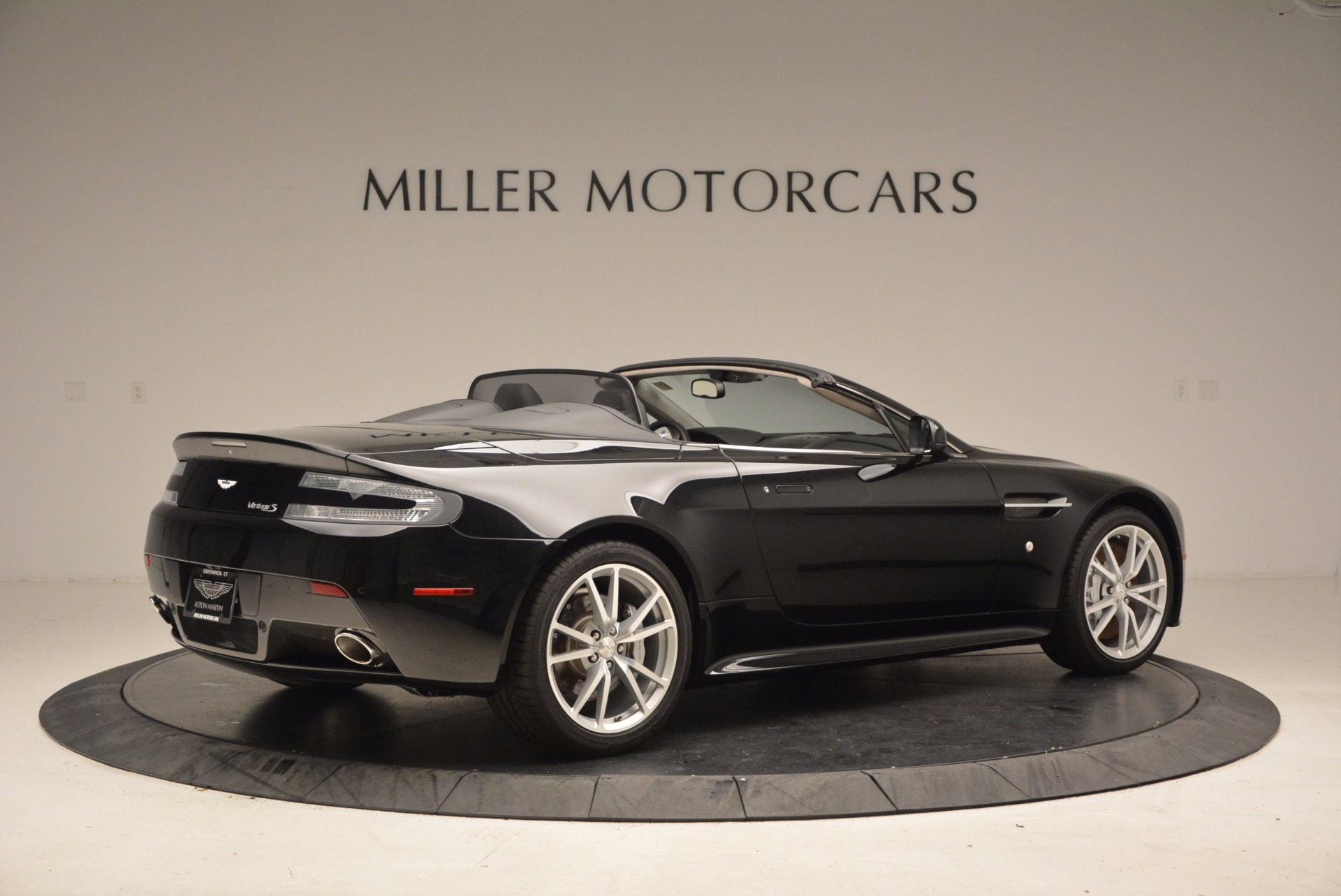 New 2016 Aston Martin V8 Vantage Roadster For Sale In Westport, CT 1546_p8