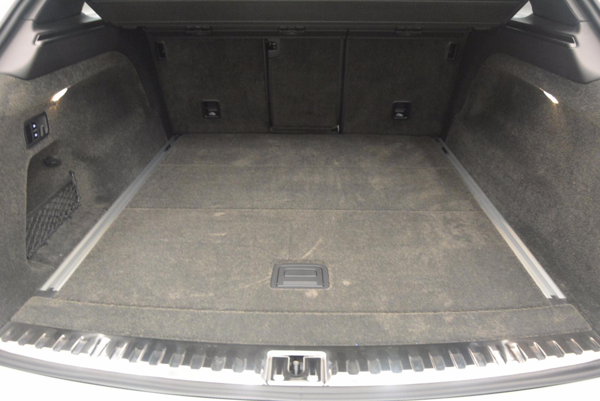 New 2018 Bentley Bentayga Onyx For Sale In Westport, CT 1548_p31