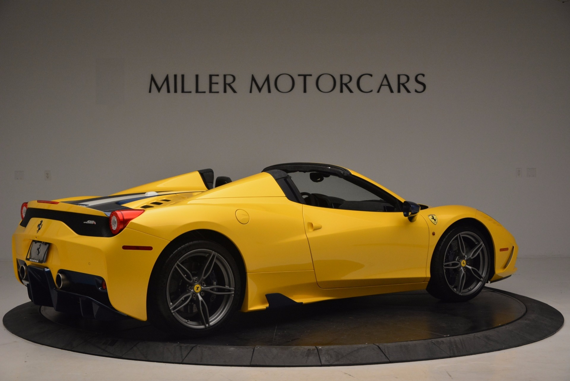 Used 2015 Ferrari 458 Speciale Aperta  For Sale In Westport, CT 1555_p8