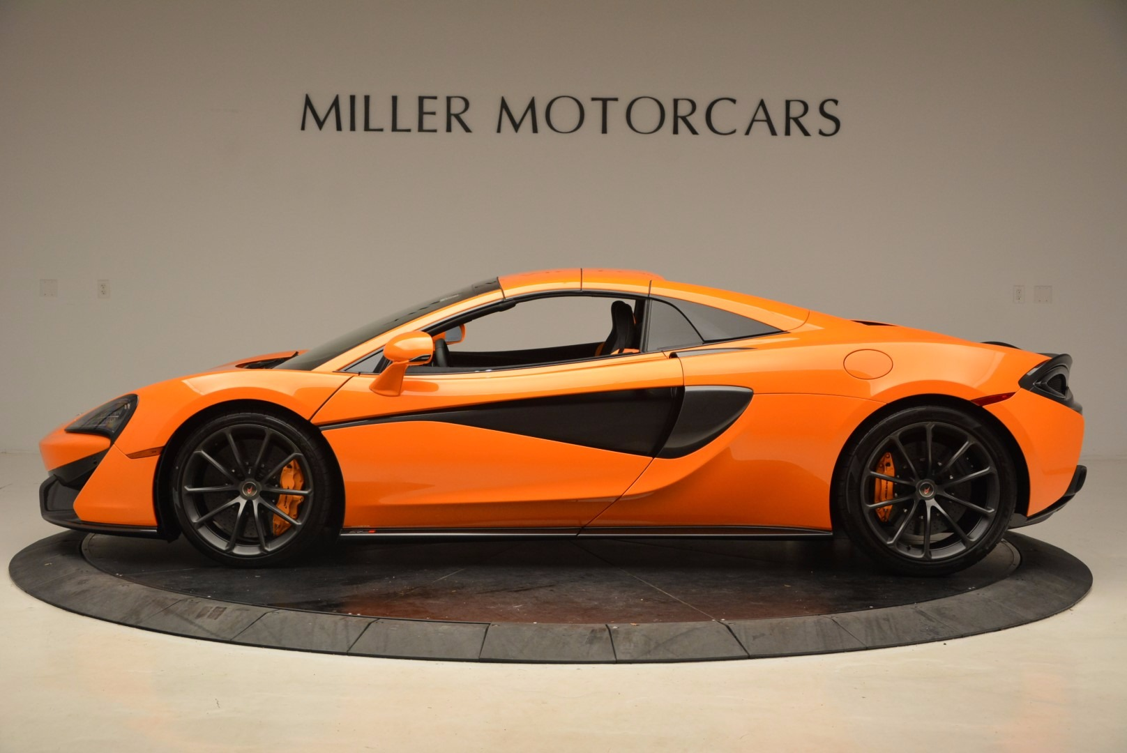 New 2018 McLaren 570S Spider  For Sale In Westport, CT 1580_p16