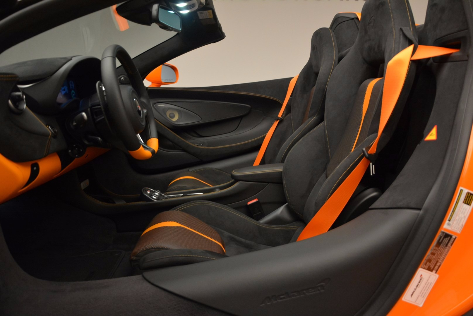 New 2018 McLaren 570S Spider  For Sale In Westport, CT 1580_p26