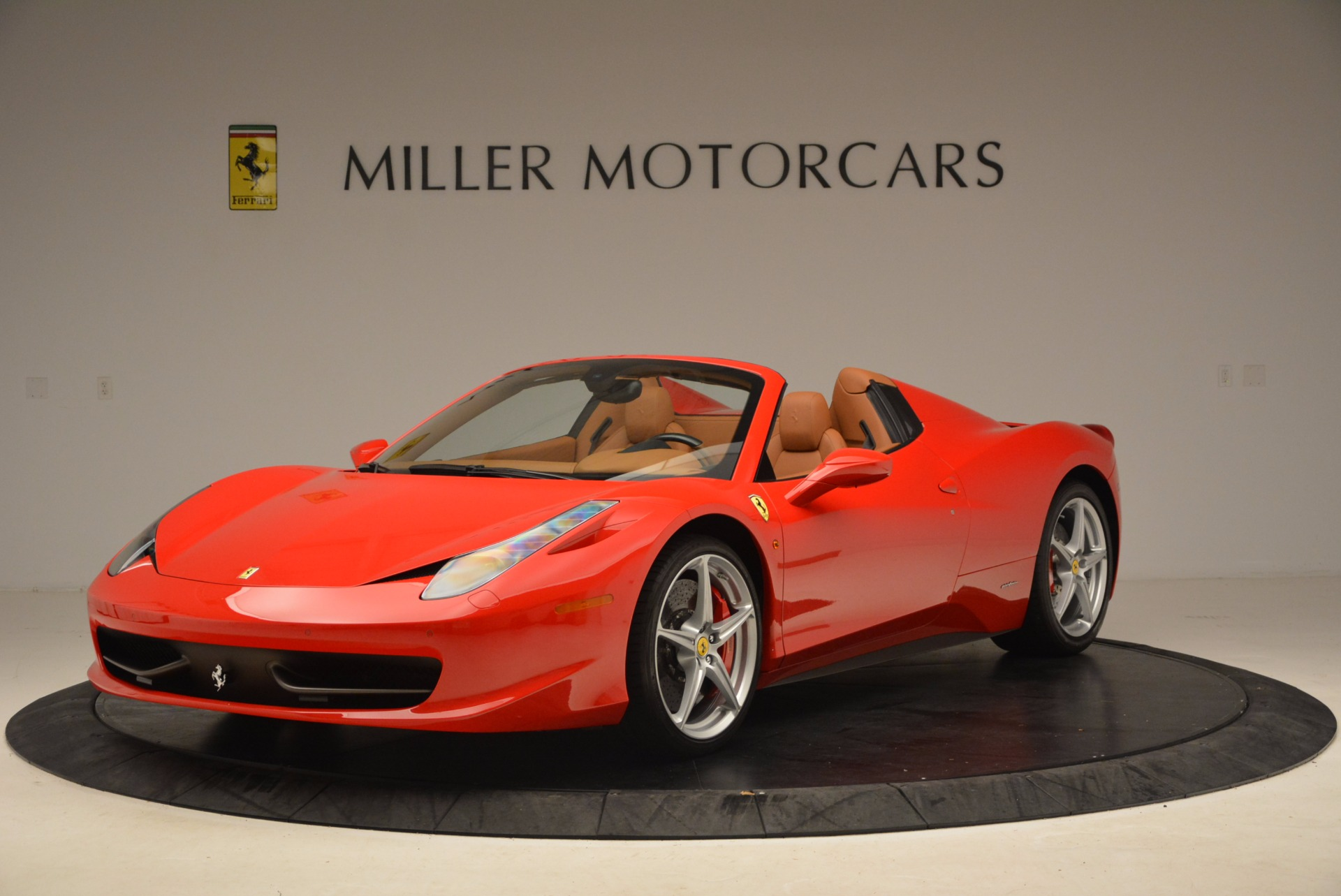 Used 2012 Ferrari 458 Spider  For Sale In Westport, CT 1581_main