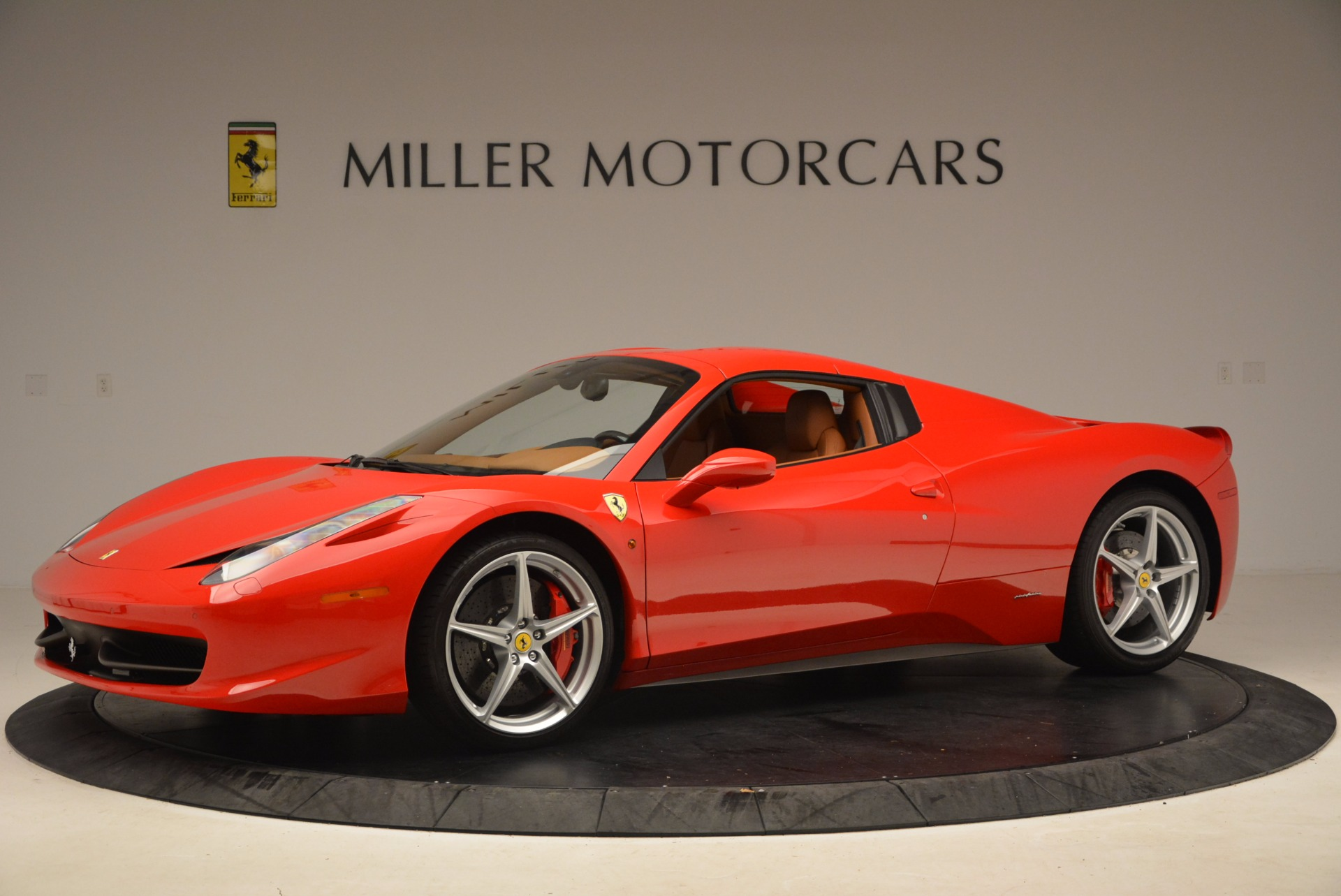 Used 2012 Ferrari 458 Spider  For Sale In Westport, CT 1581_p14