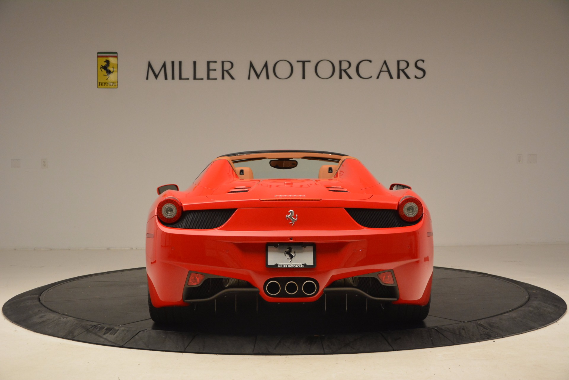 Used 2012 Ferrari 458 Spider  For Sale In Westport, CT 1581_p6