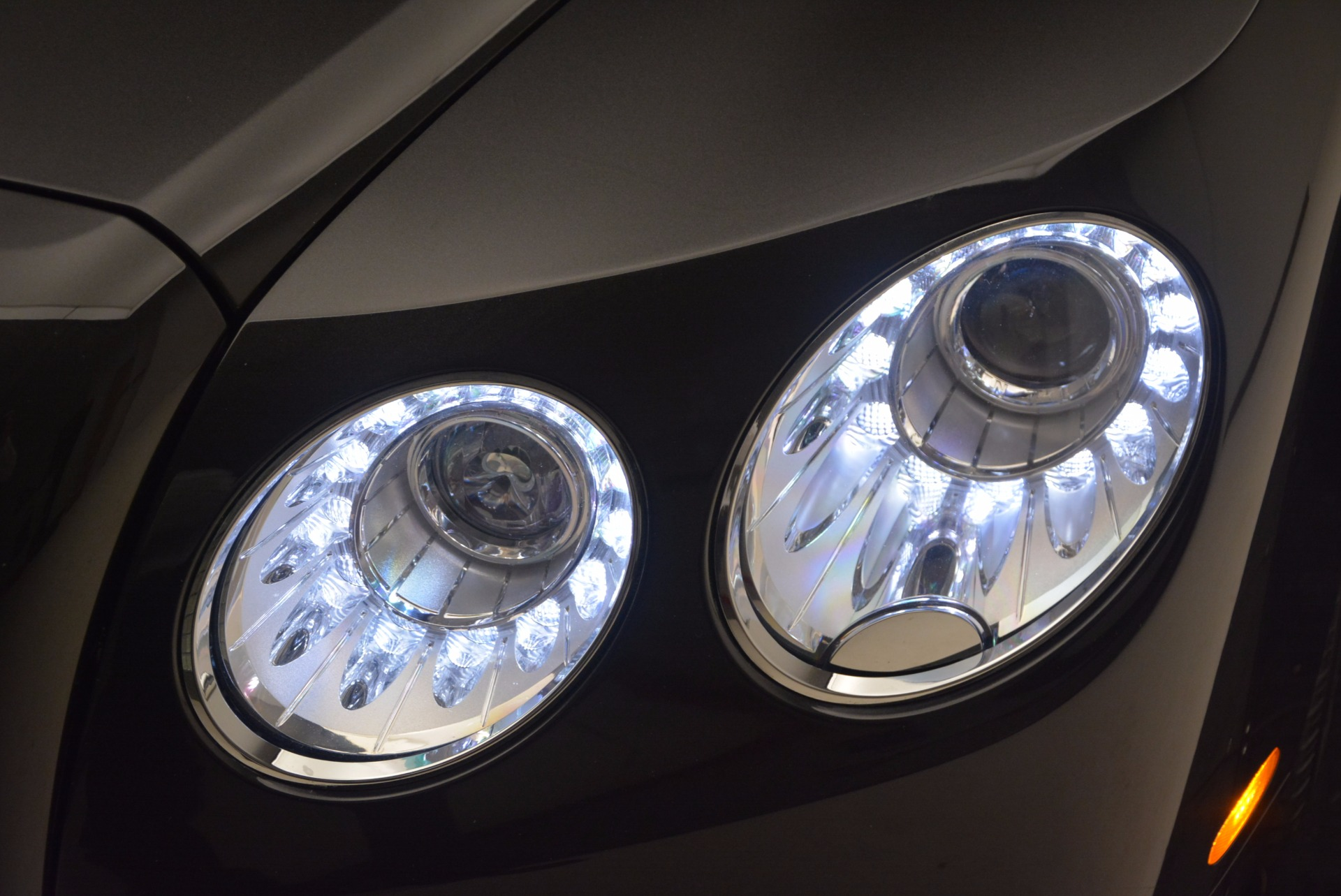 Used 2014 Bentley Flying Spur W12 For Sale In Westport, CT 1598_p21