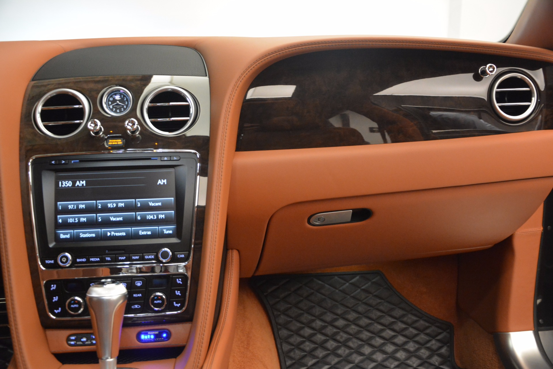 Used 2014 Bentley Flying Spur W12 For Sale In Westport, CT 1598_p48