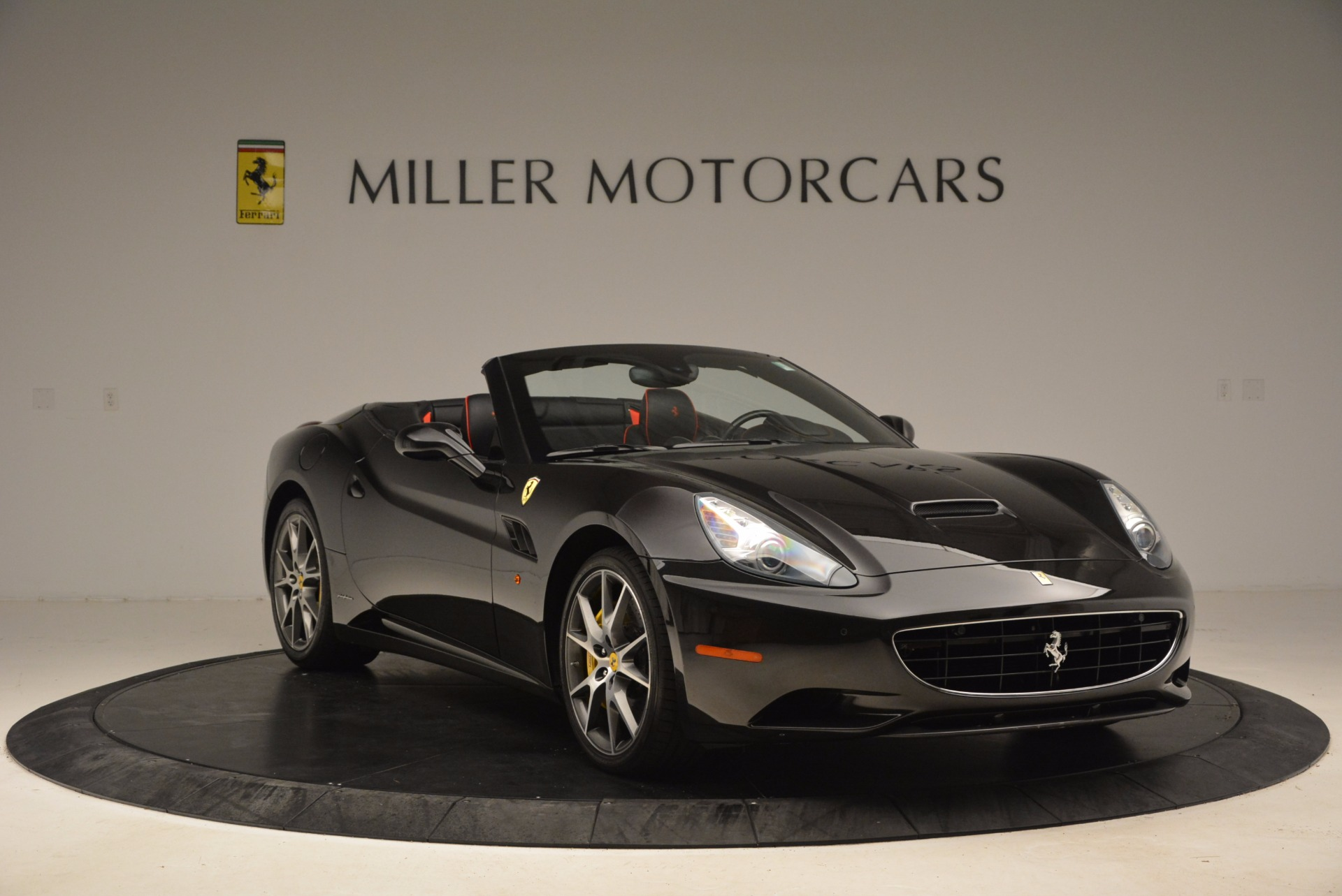 Used 2013 Ferrari California  For Sale In Westport, CT 1603_p11