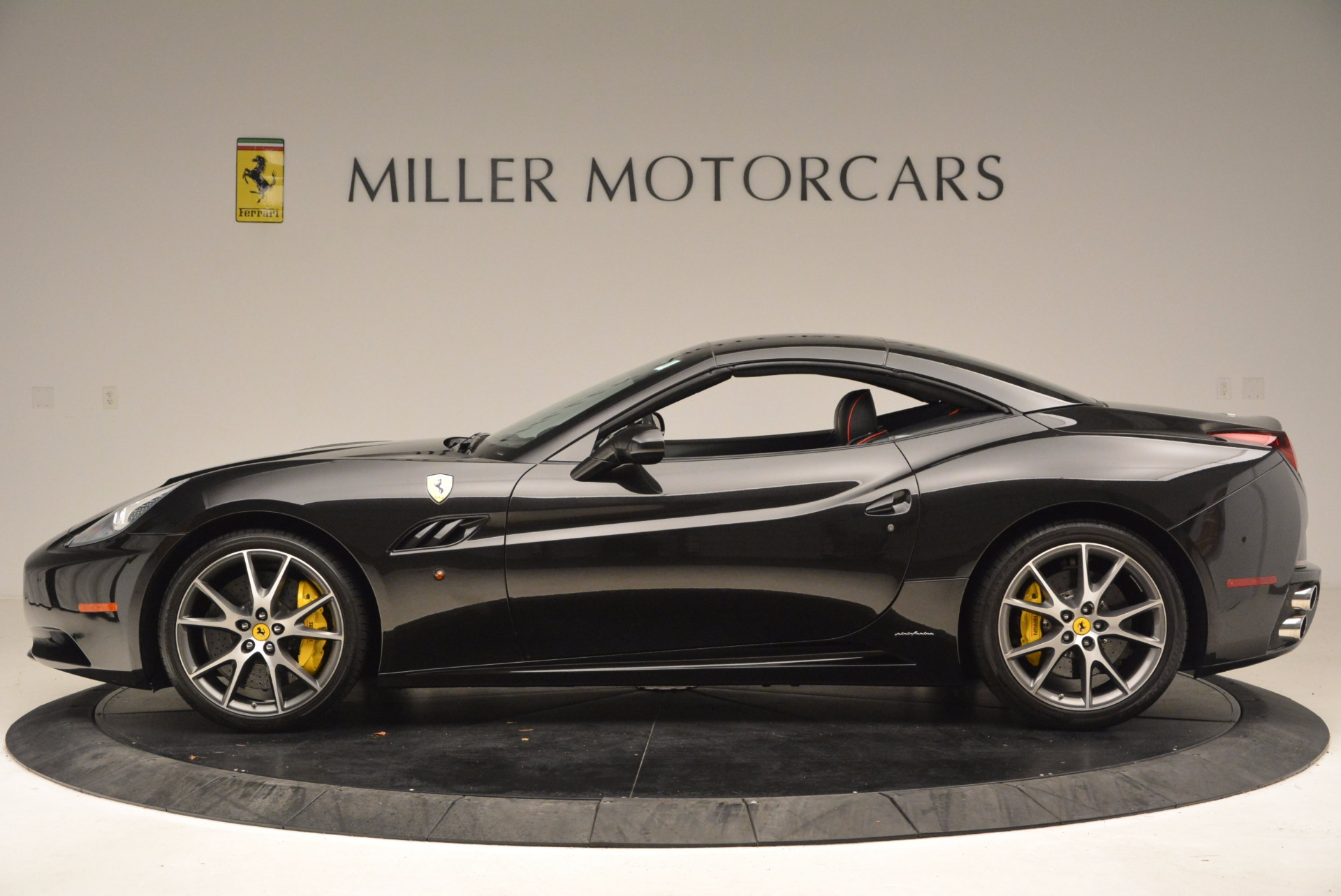 Used 2013 Ferrari California  For Sale In Westport, CT 1603_p15