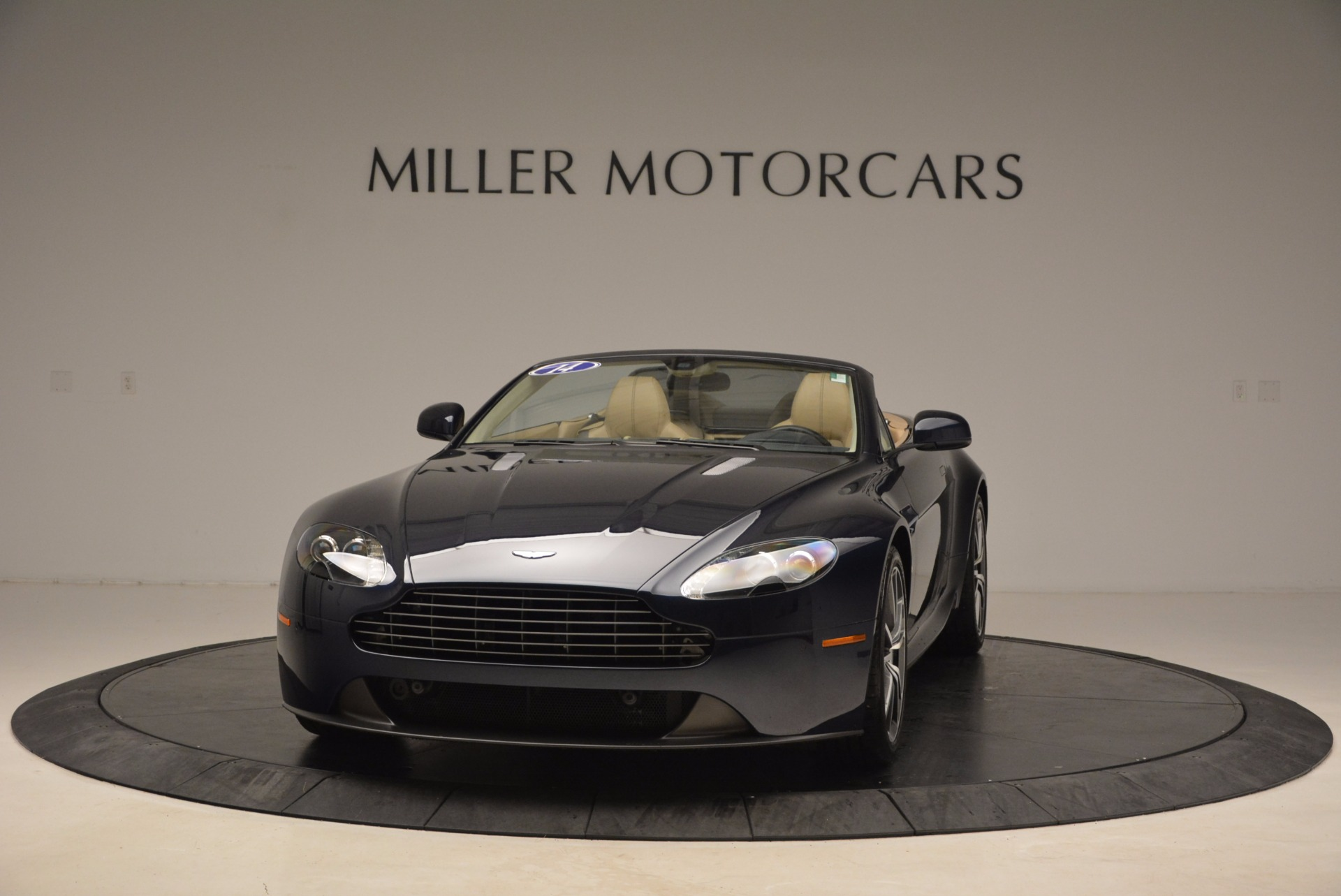Used 2014 Aston Martin V8 Vantage Roadster For Sale In Westport, CT 1623_main