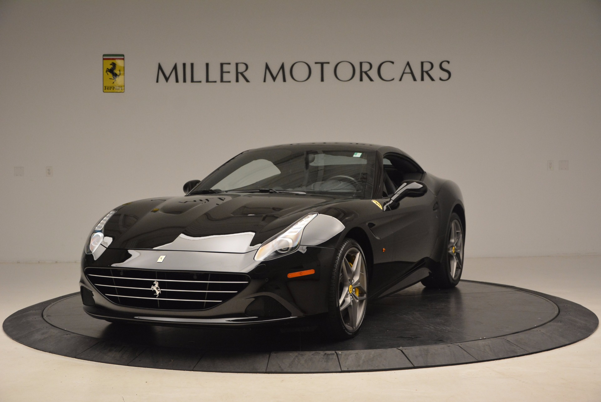 Used 2016 Ferrari California T  For Sale In Westport, CT 1630_p13