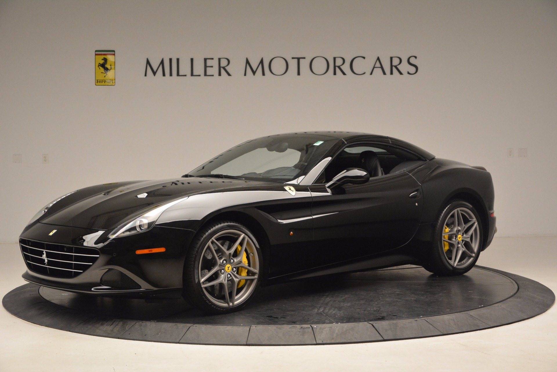 Used 2016 Ferrari California T  For Sale In Westport, CT 1630_p14