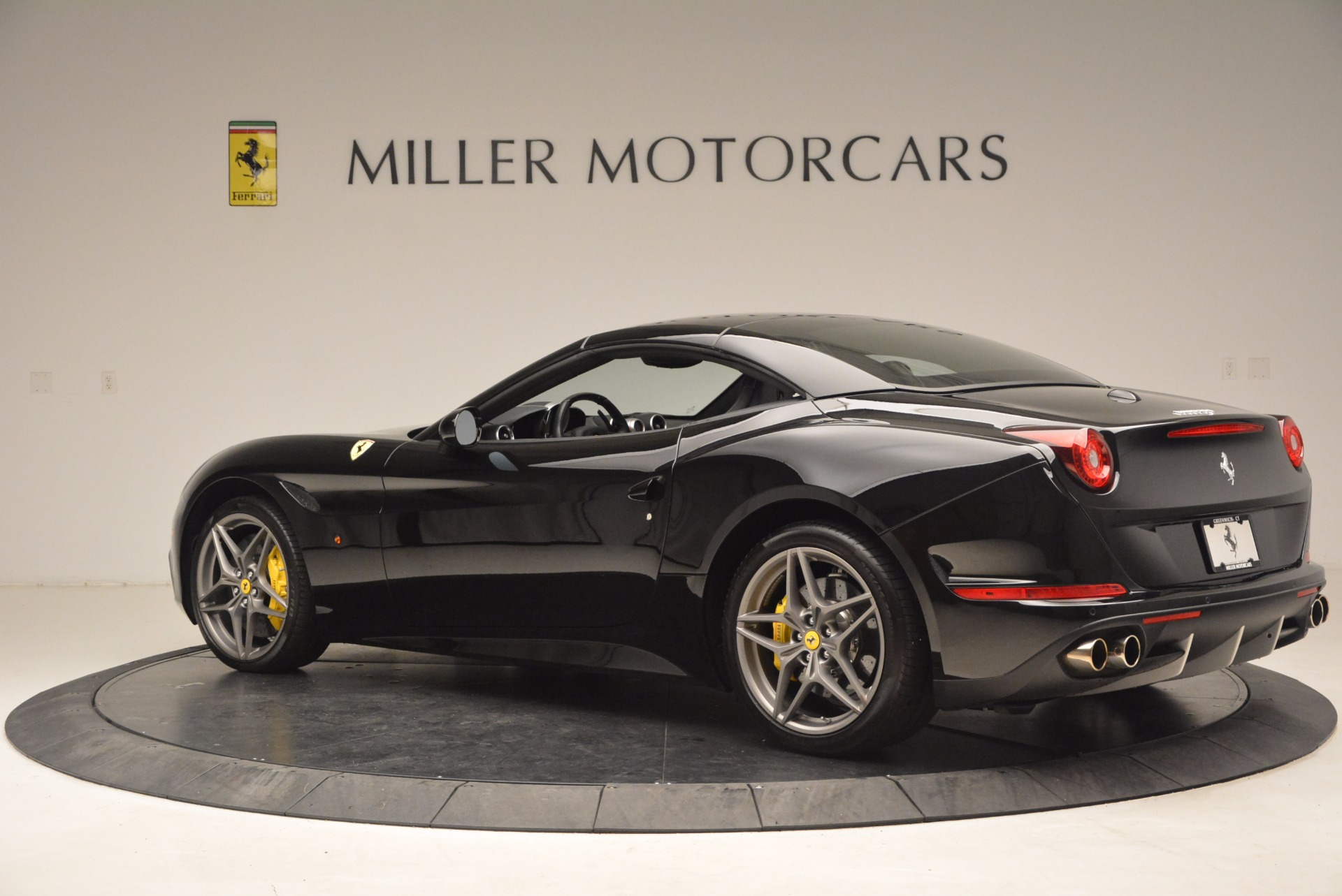 Used 2016 Ferrari California T  For Sale In Westport, CT 1630_p16