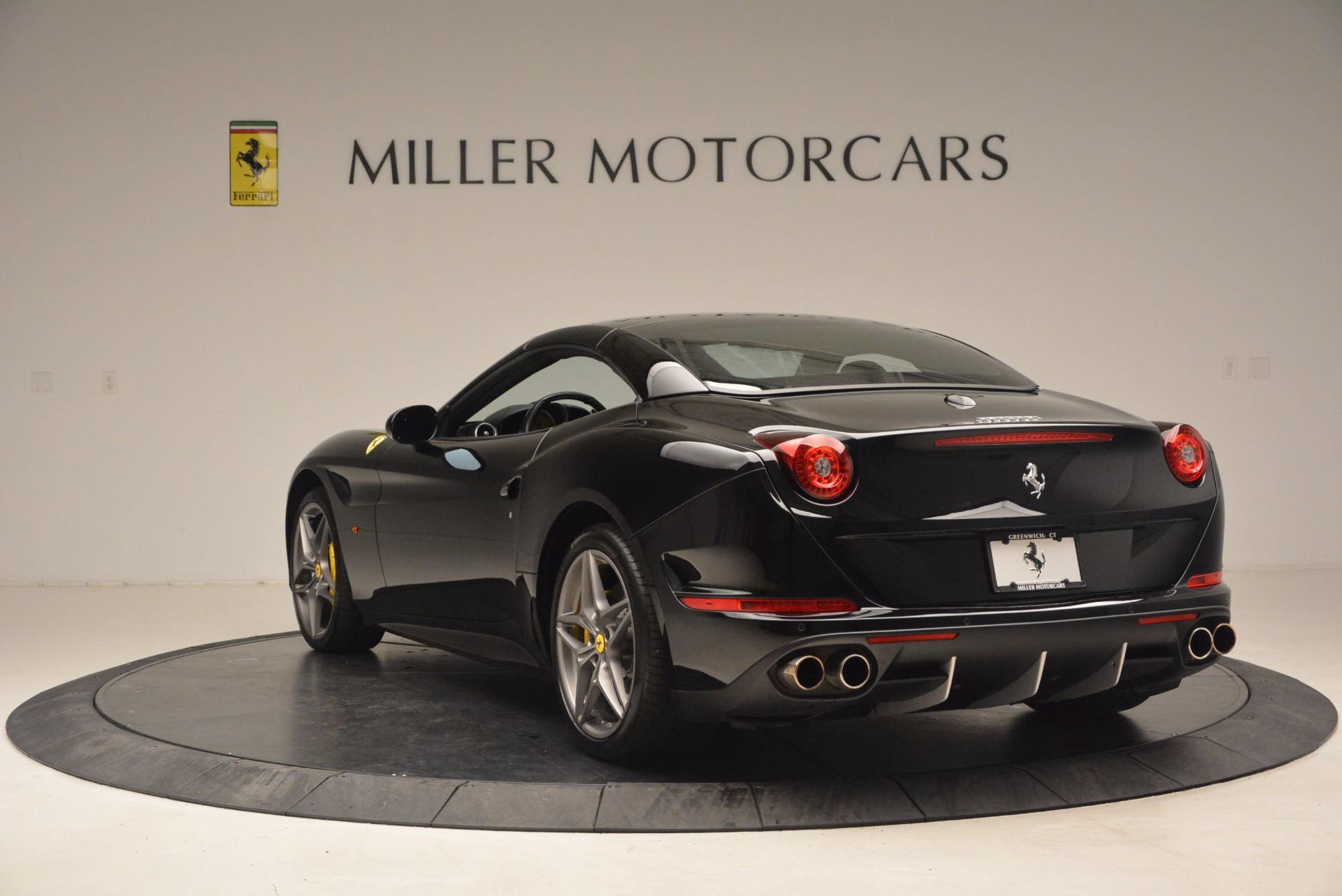 Used 2016 Ferrari California T  For Sale In Westport, CT 1630_p17