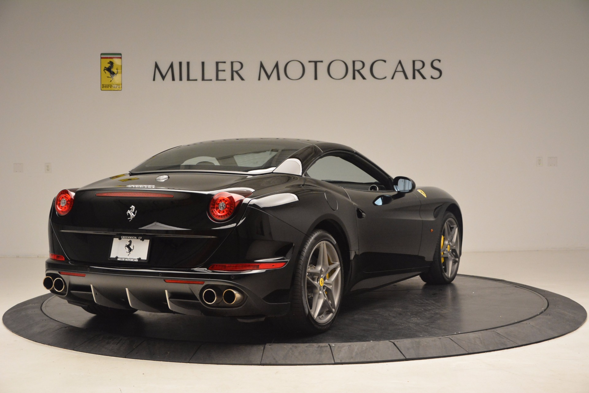 Used 2016 Ferrari California T  For Sale In Westport, CT 1630_p19