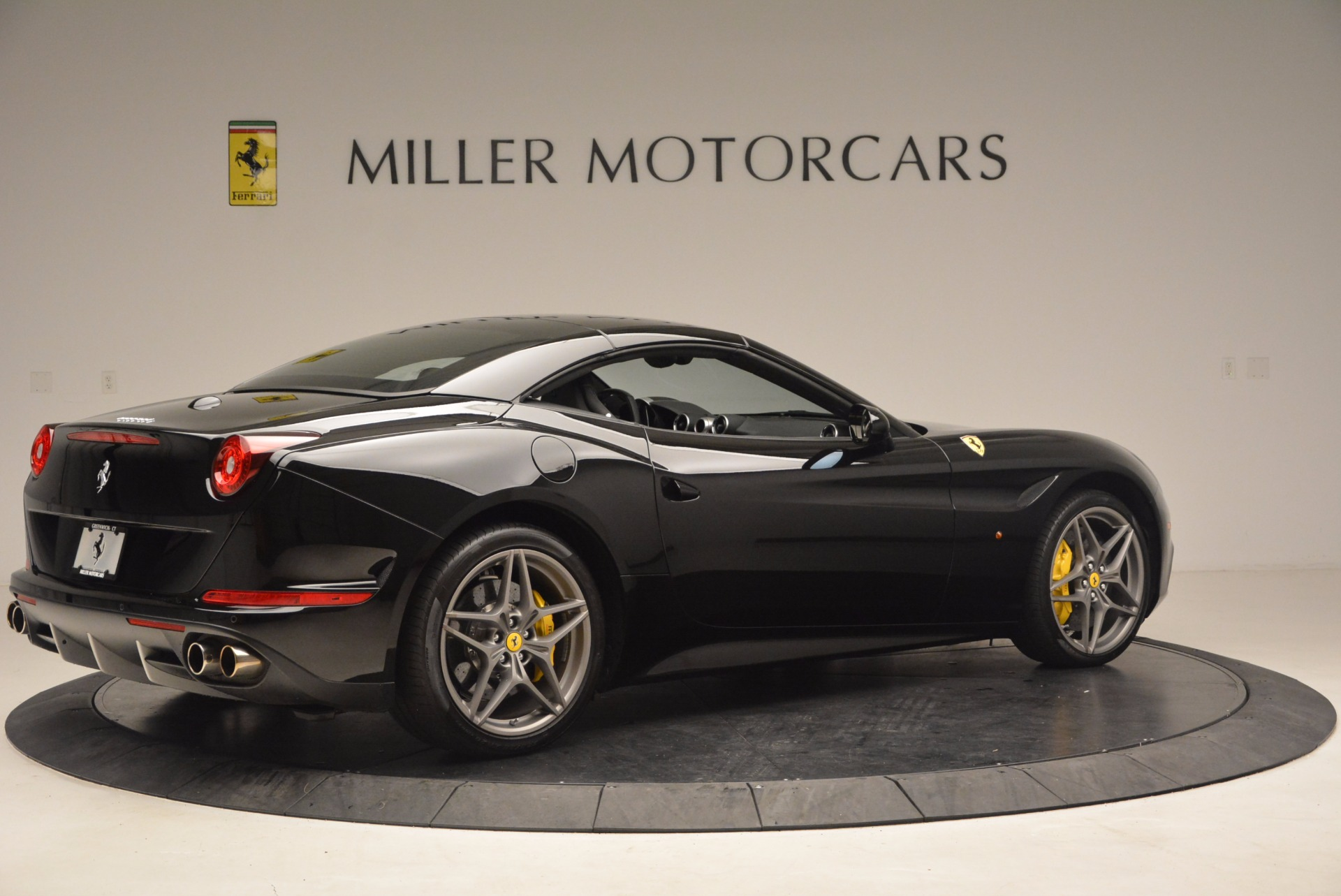 Used 2016 Ferrari California T  For Sale In Westport, CT 1630_p20