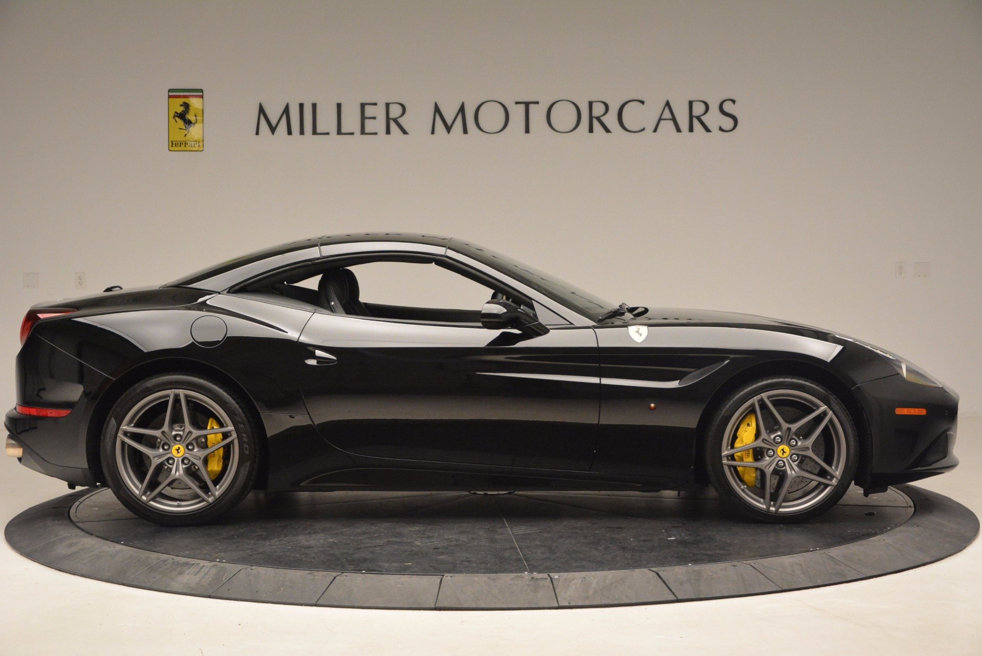 Used 2016 Ferrari California T  For Sale In Westport, CT 1630_p21