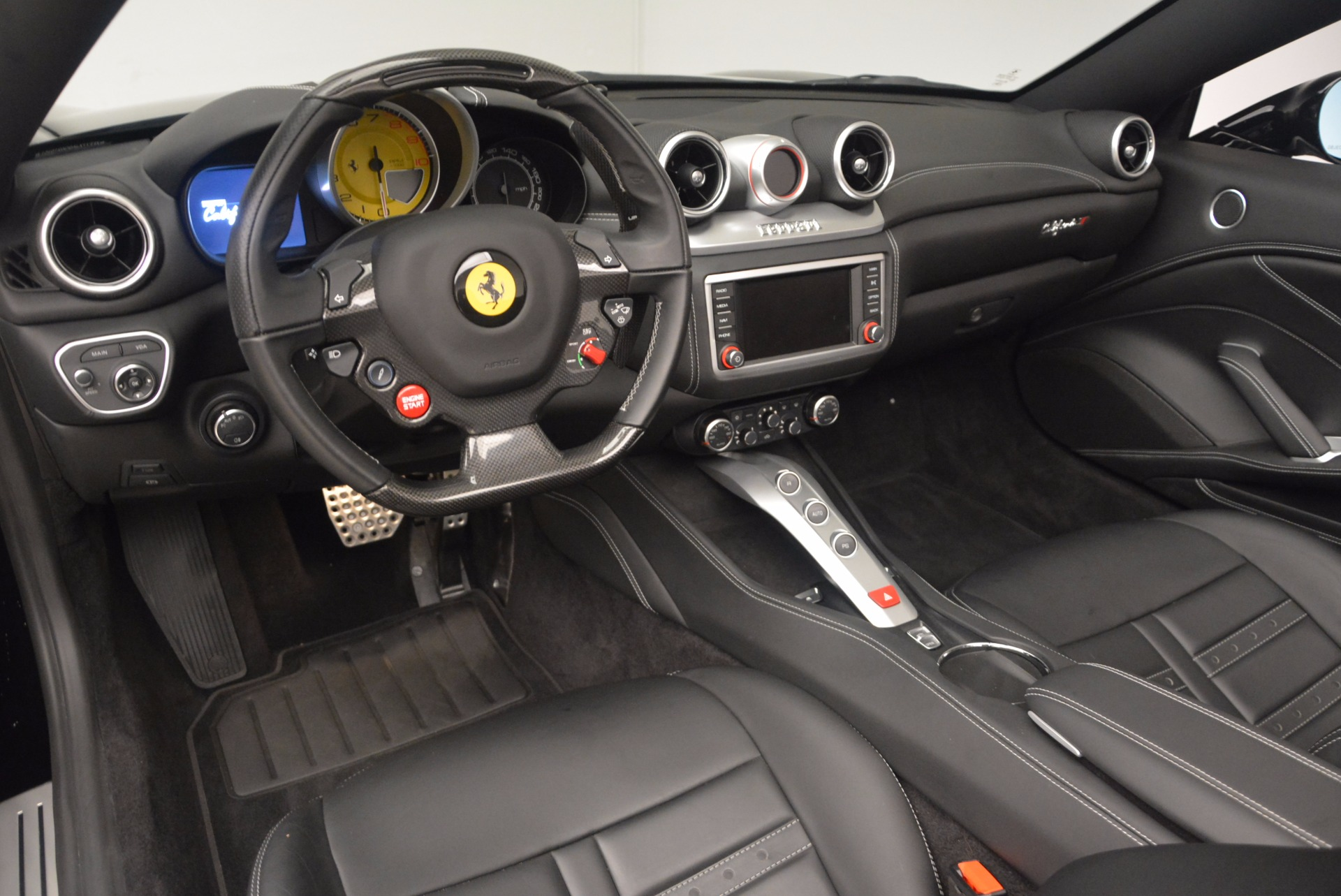 Used 2016 Ferrari California T  For Sale In Westport, CT 1630_p25