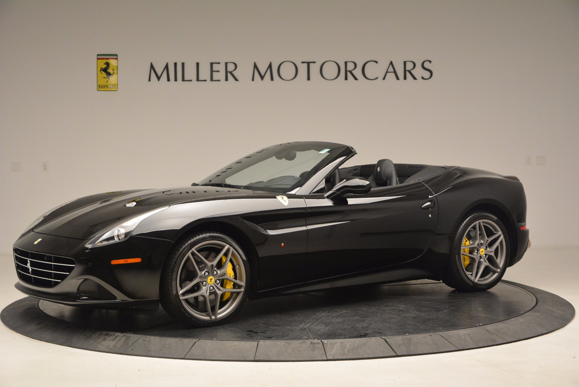Used 2016 Ferrari California T  For Sale In Westport, CT 1630_p2