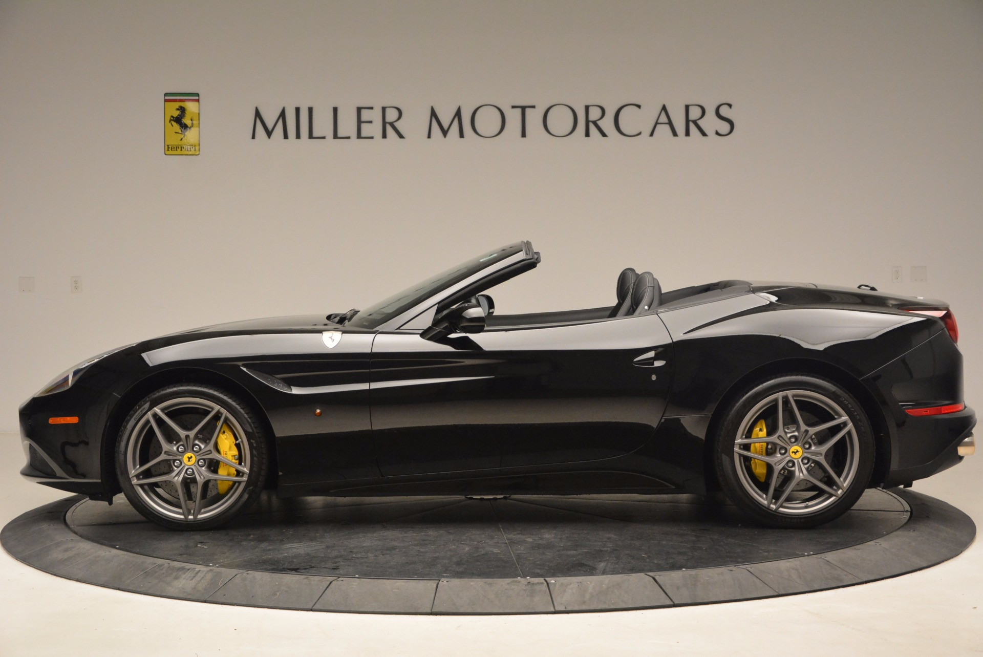 Used 2016 Ferrari California T  For Sale In Westport, CT 1630_p3