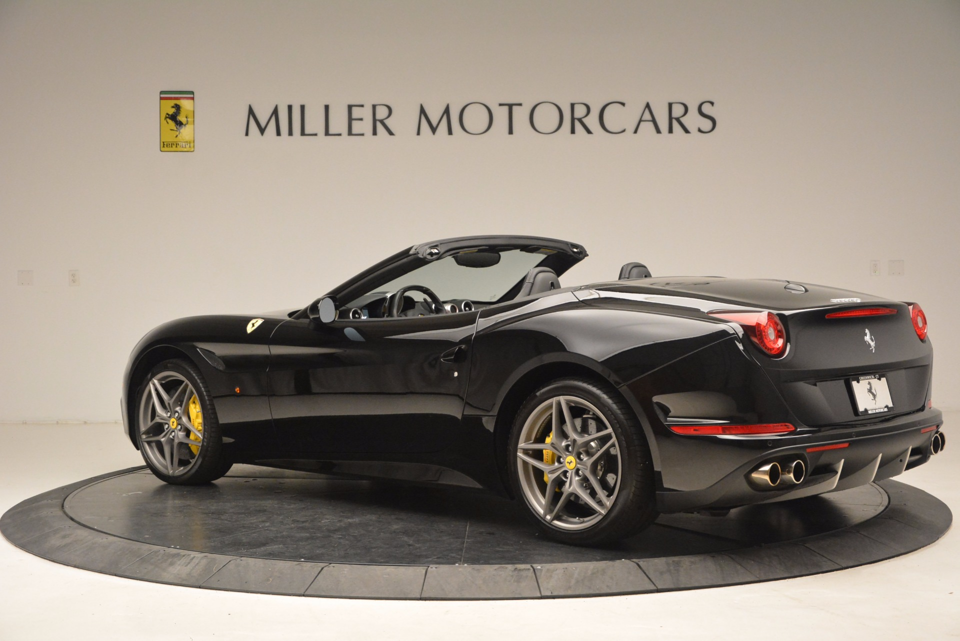 Used 2016 Ferrari California T  For Sale In Westport, CT 1630_p4