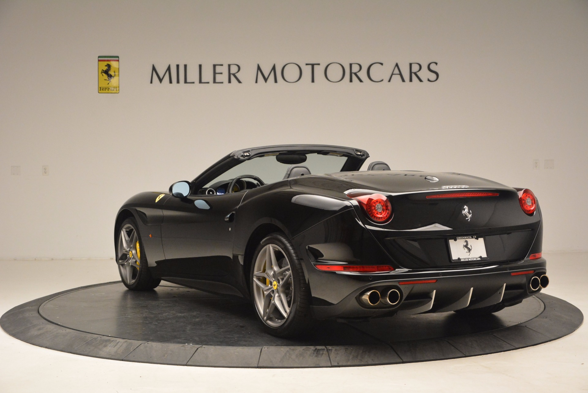 Used 2016 Ferrari California T  For Sale In Westport, CT 1630_p5