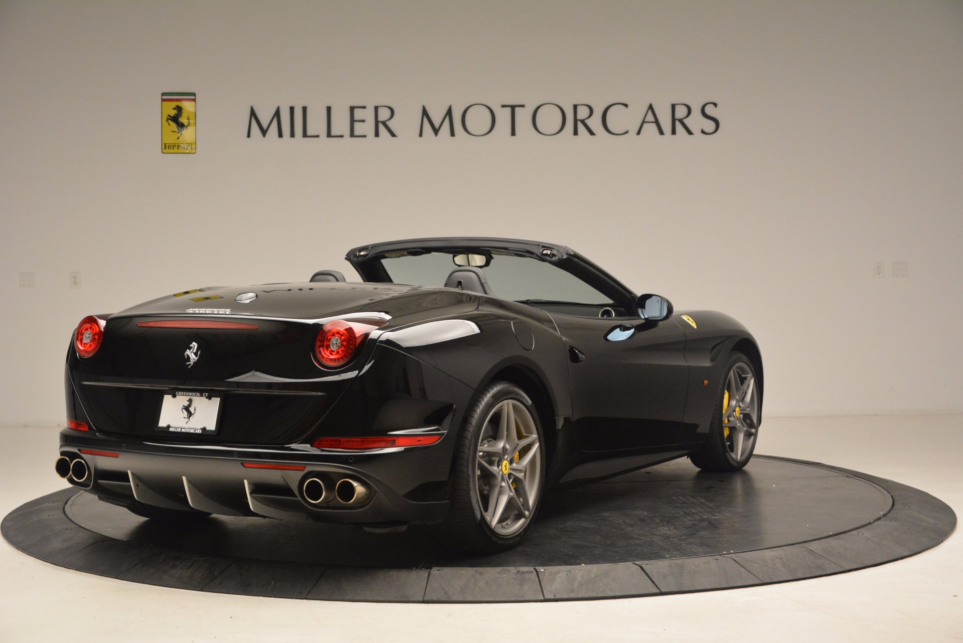 Used 2016 Ferrari California T  For Sale In Westport, CT 1630_p7