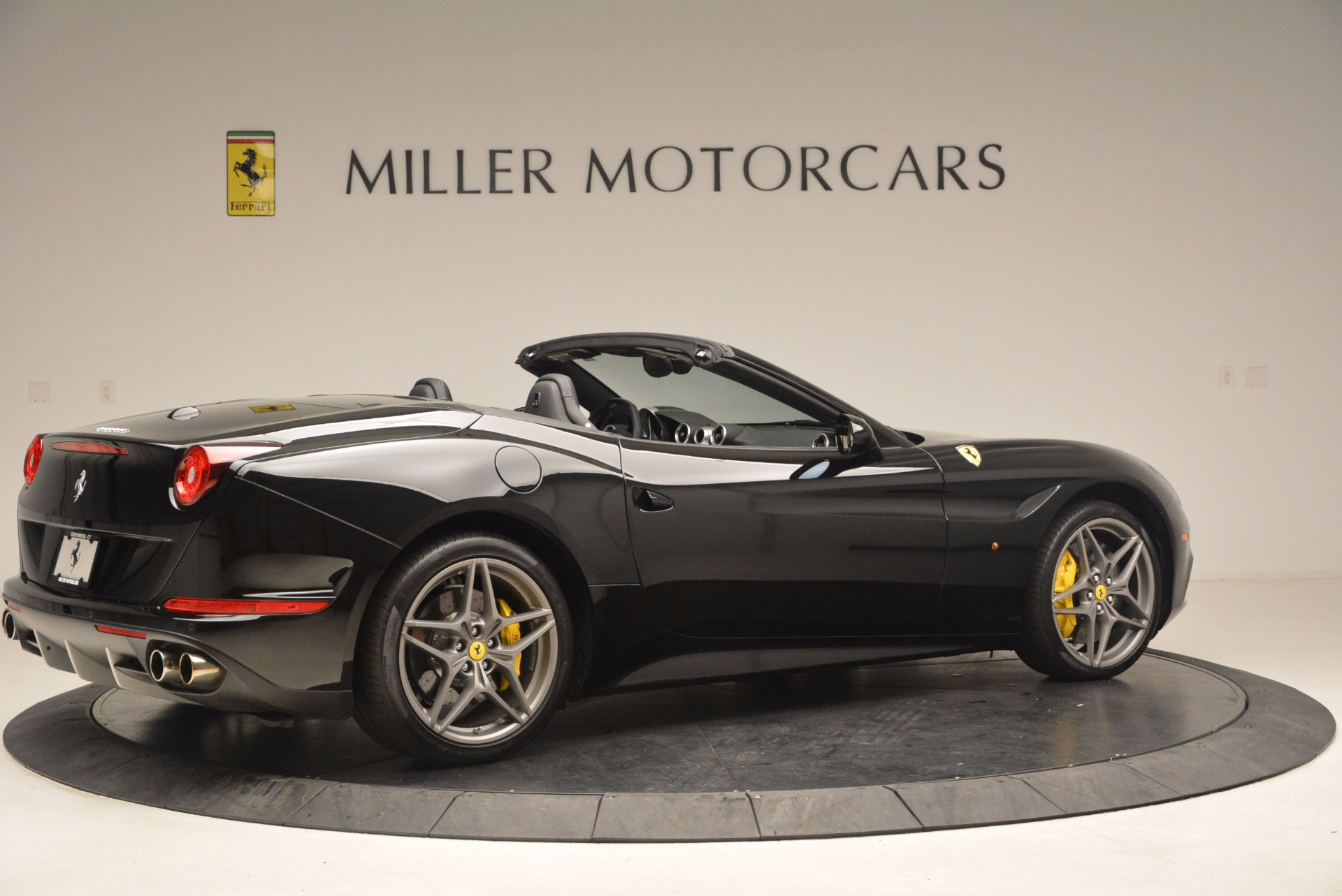 Used 2016 Ferrari California T  For Sale In Westport, CT 1630_p8