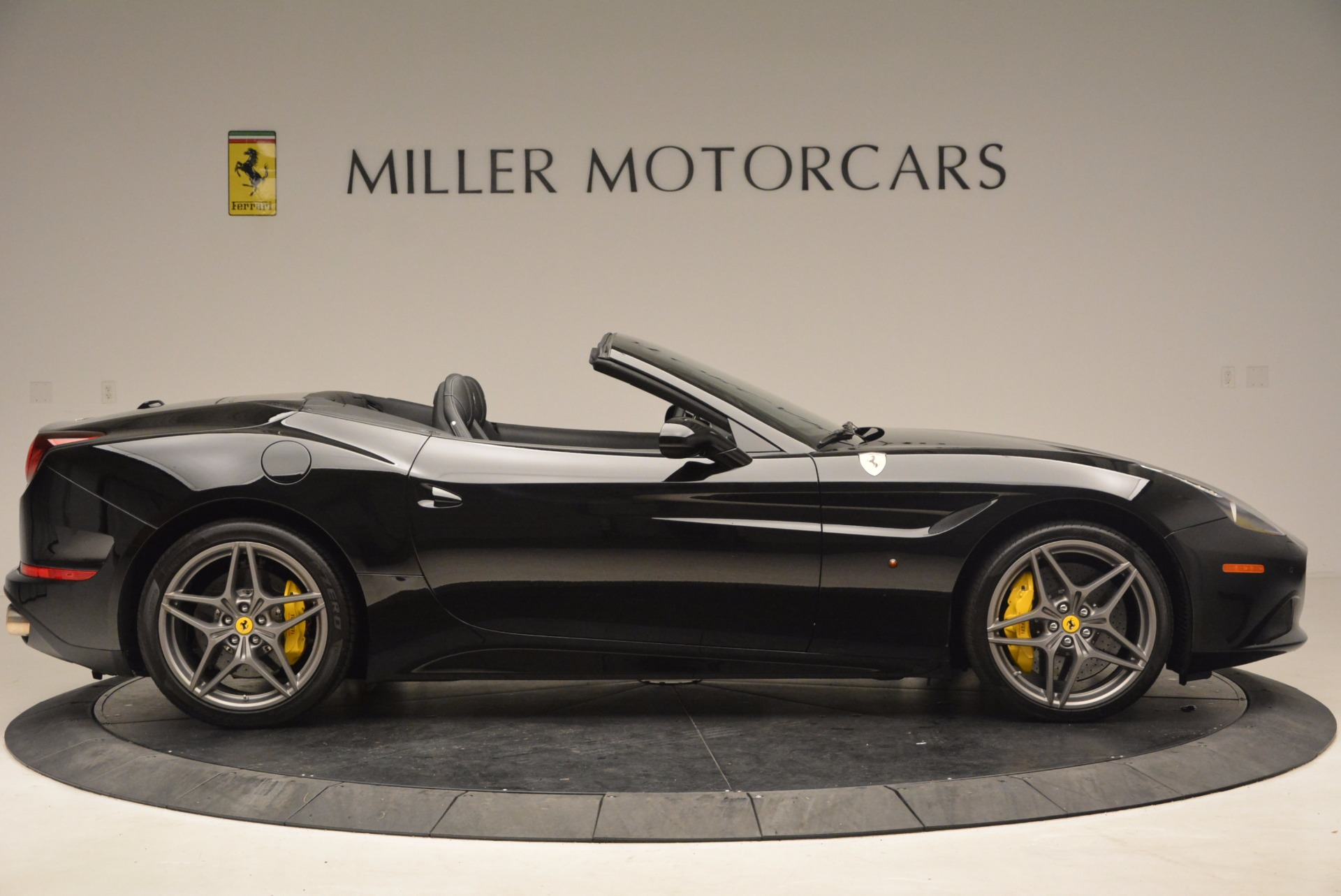 Used 2016 Ferrari California T  For Sale In Westport, CT 1630_p9