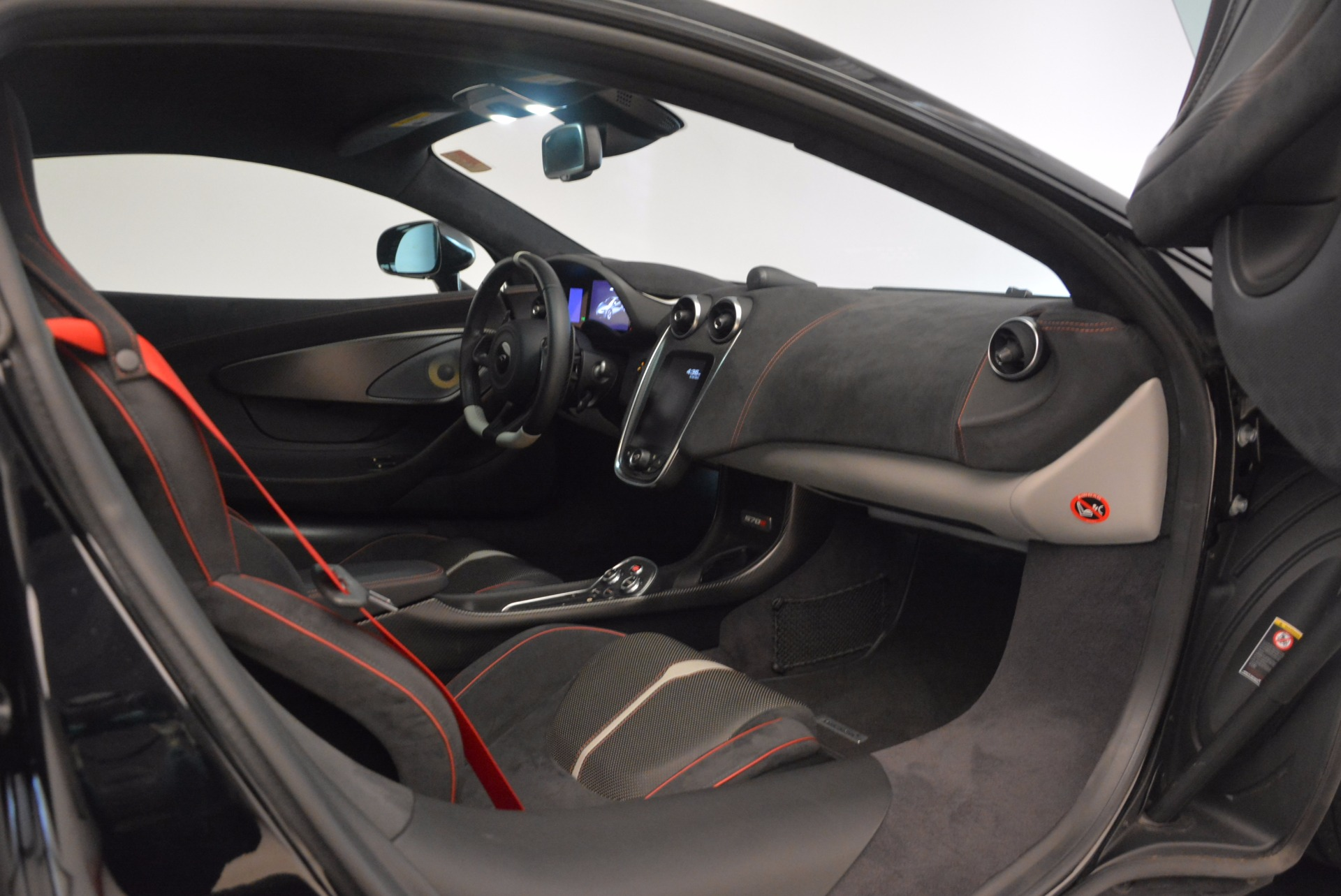 Used 2016 McLaren 570S  For Sale In Westport, CT 1645_p20