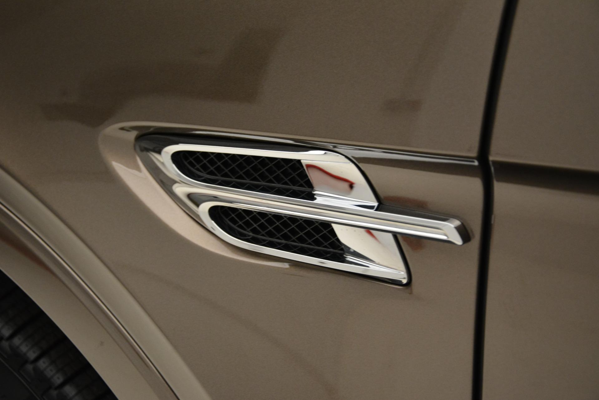New 2018 Bentley Bentayga Signature For Sale In Westport, CT 1654_p16
