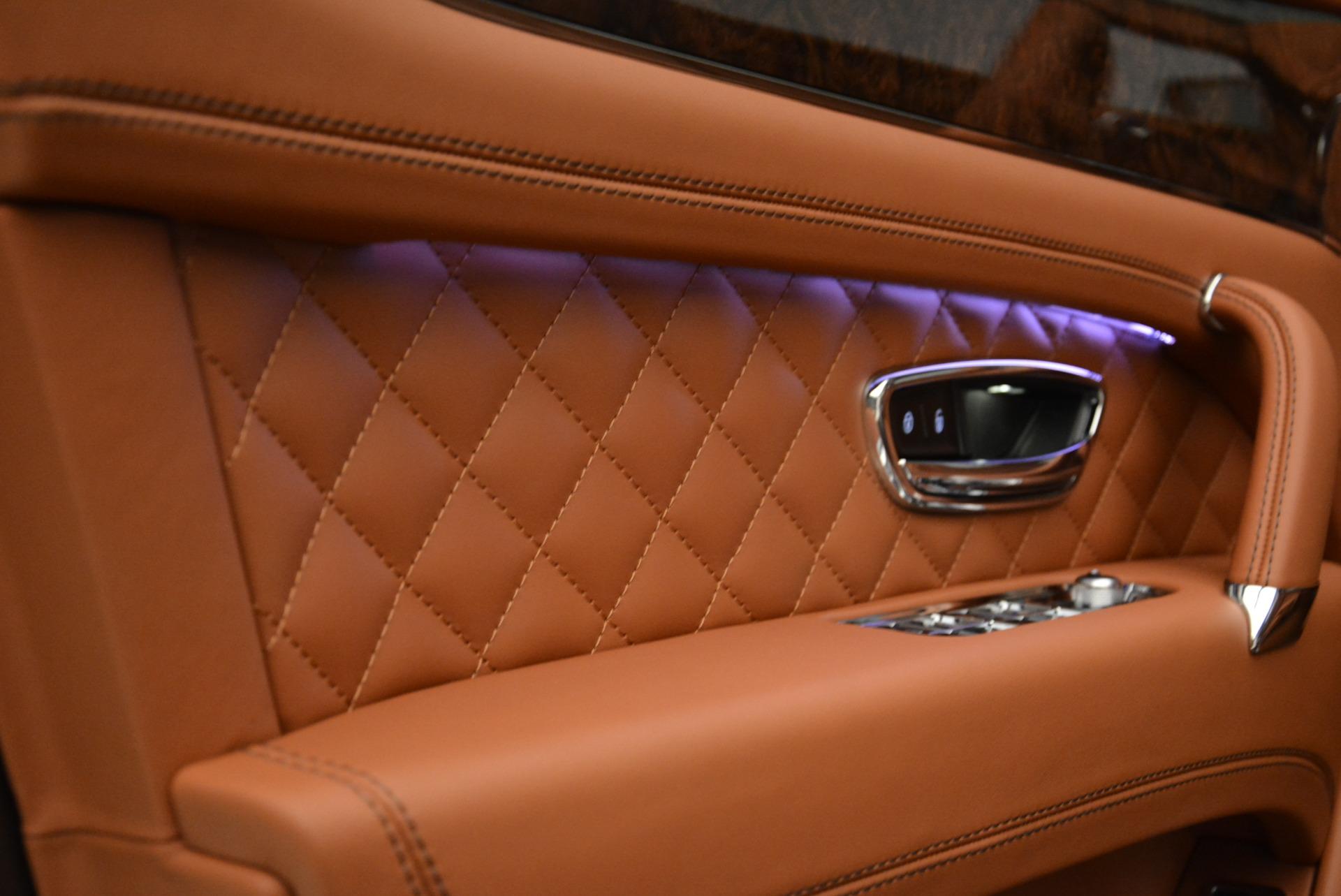 New 2018 Bentley Bentayga Signature For Sale In Westport, CT 1654_p18