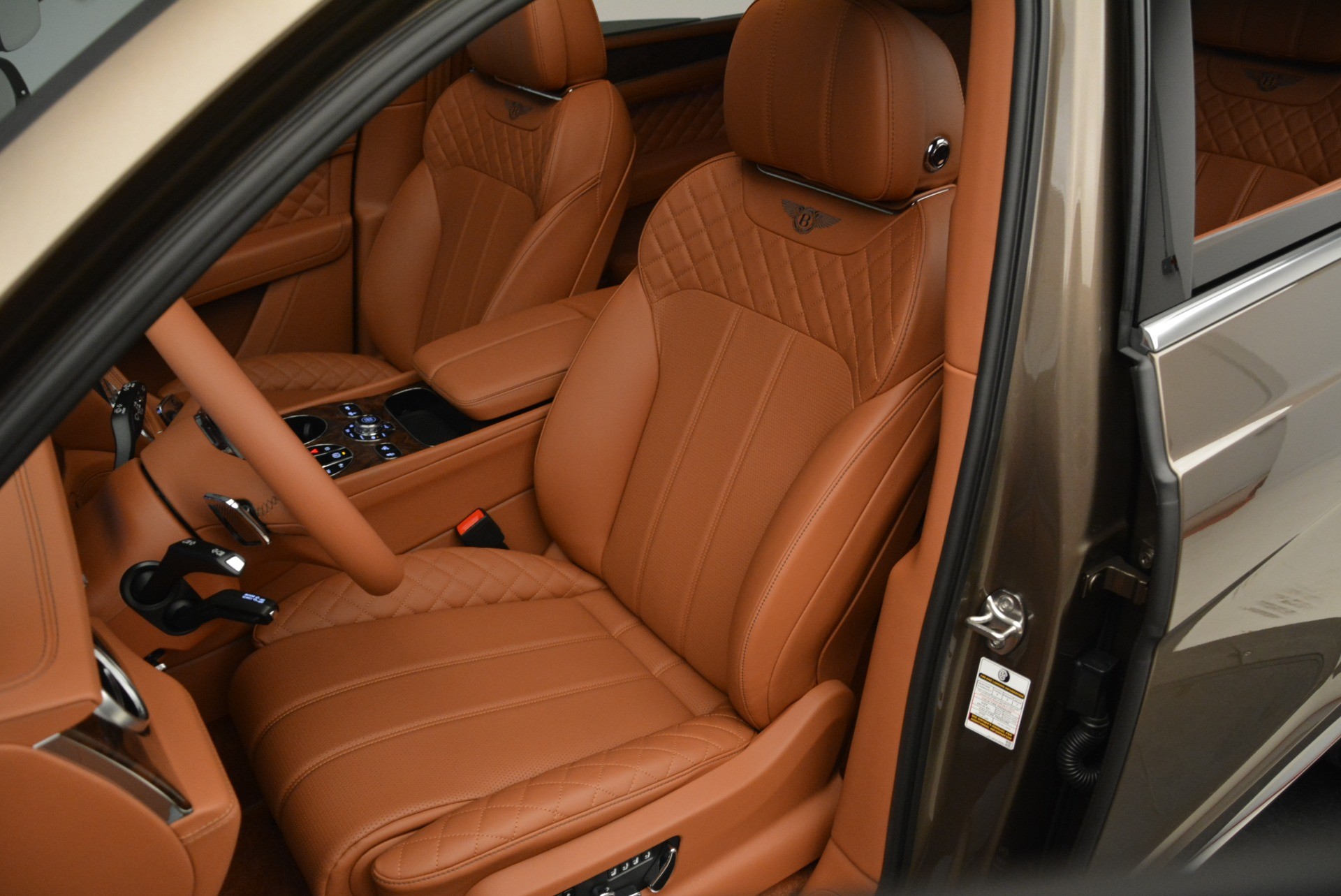 New 2018 Bentley Bentayga Signature For Sale In Westport, CT 1654_p21