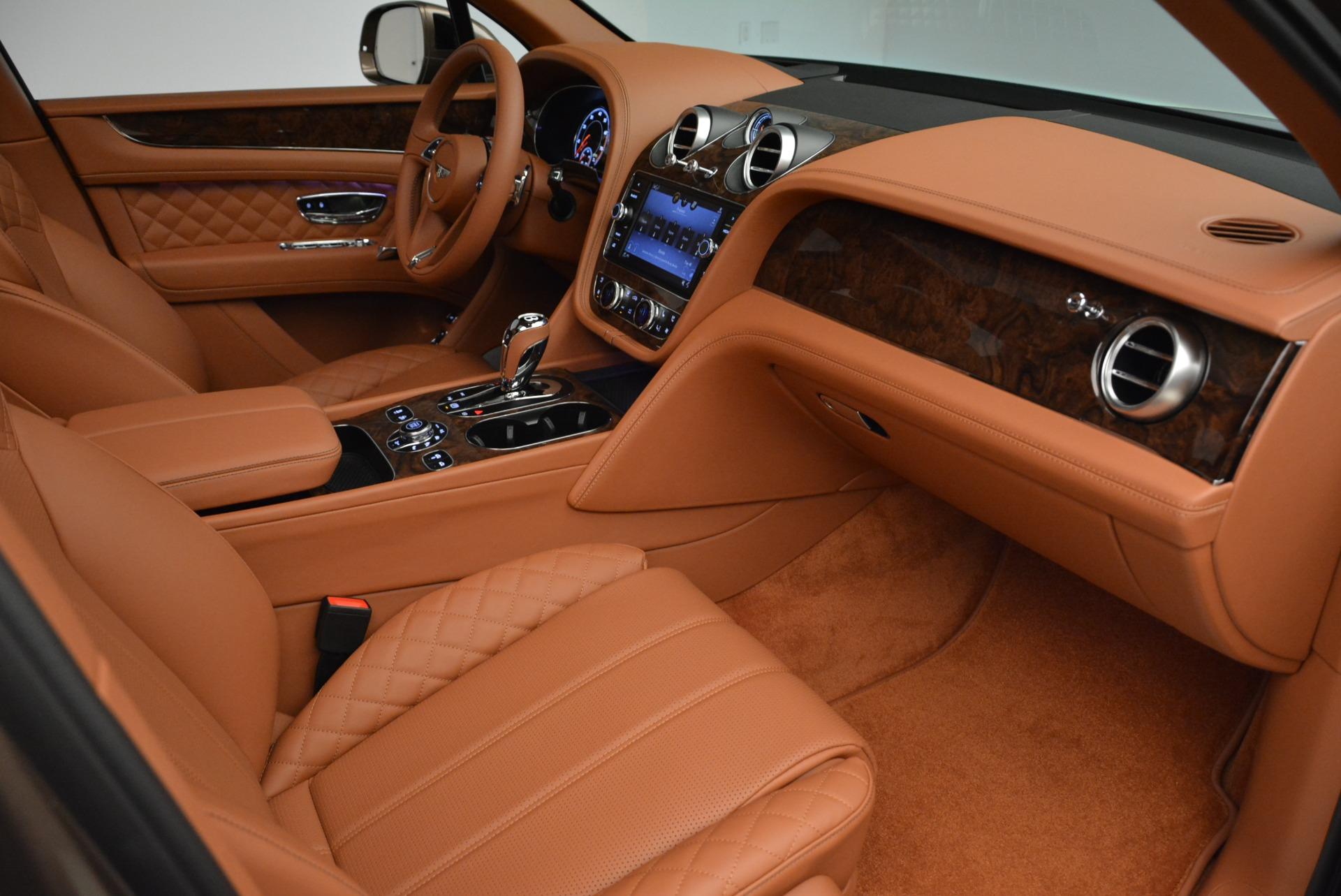 New 2018 Bentley Bentayga Signature For Sale In Westport, CT 1654_p27