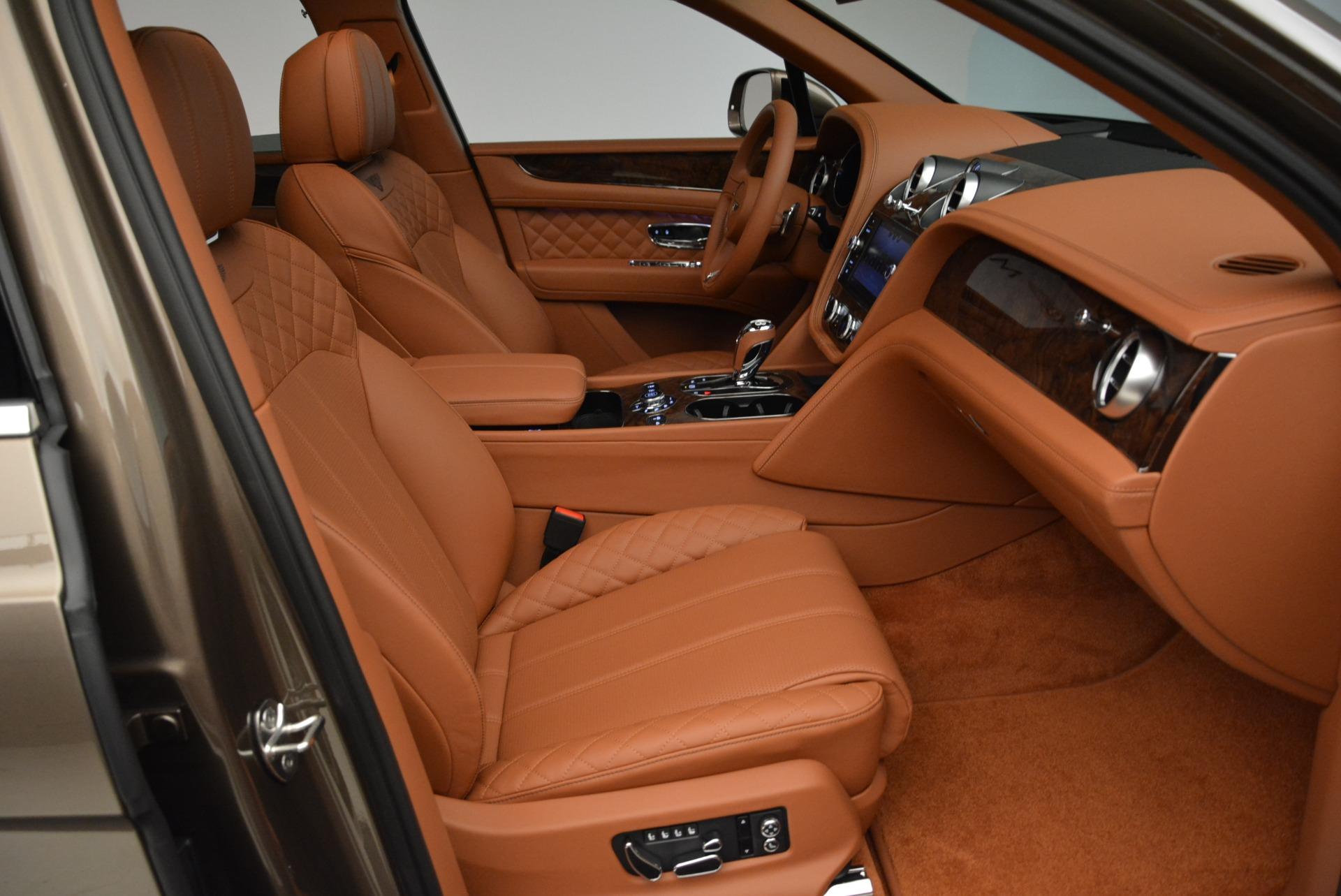 New 2018 Bentley Bentayga Signature For Sale In Westport, CT 1654_p28