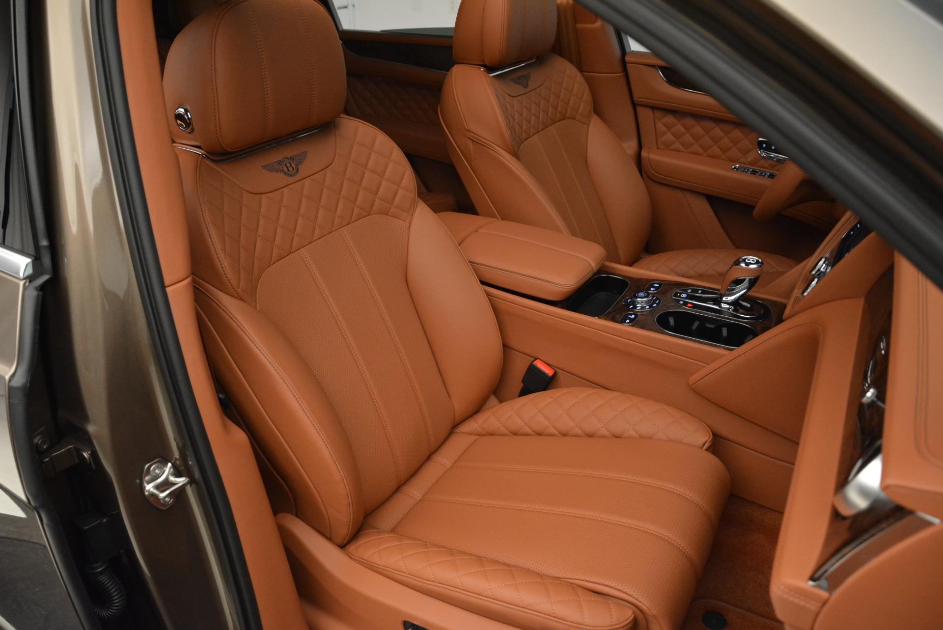 New 2018 Bentley Bentayga Signature For Sale In Westport, CT 1654_p29