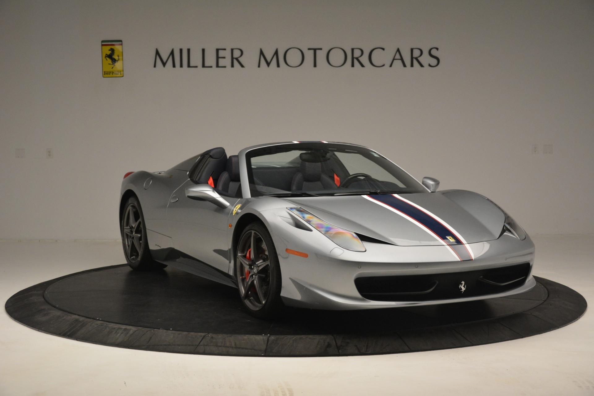 Used 2015 Ferrari 458 Spider  For Sale In Westport, CT 1667_p11