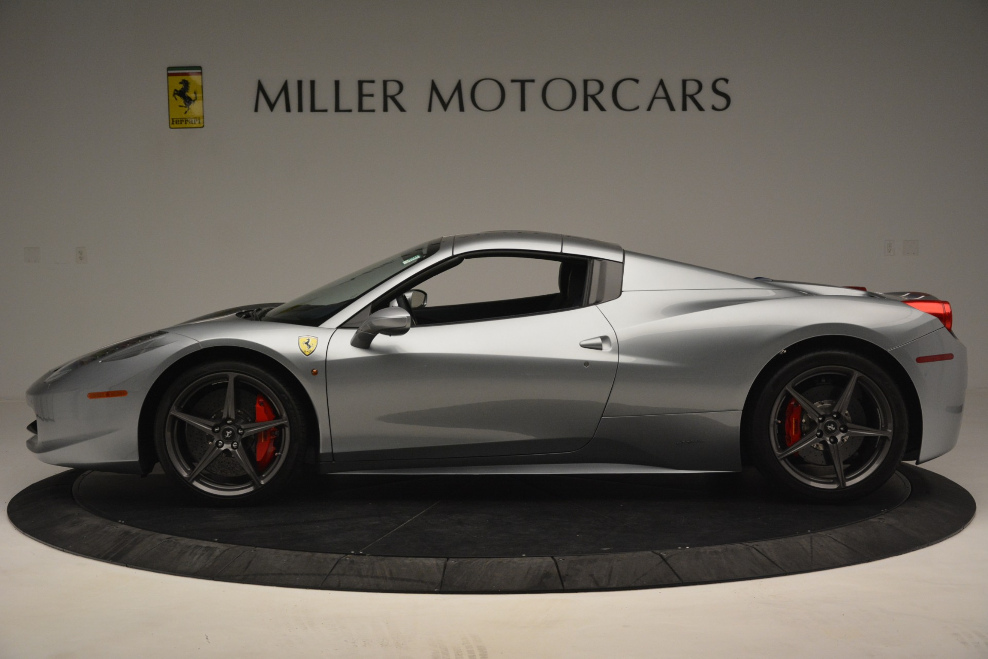 Used 2015 Ferrari 458 Spider  For Sale In Westport, CT 1667_p14