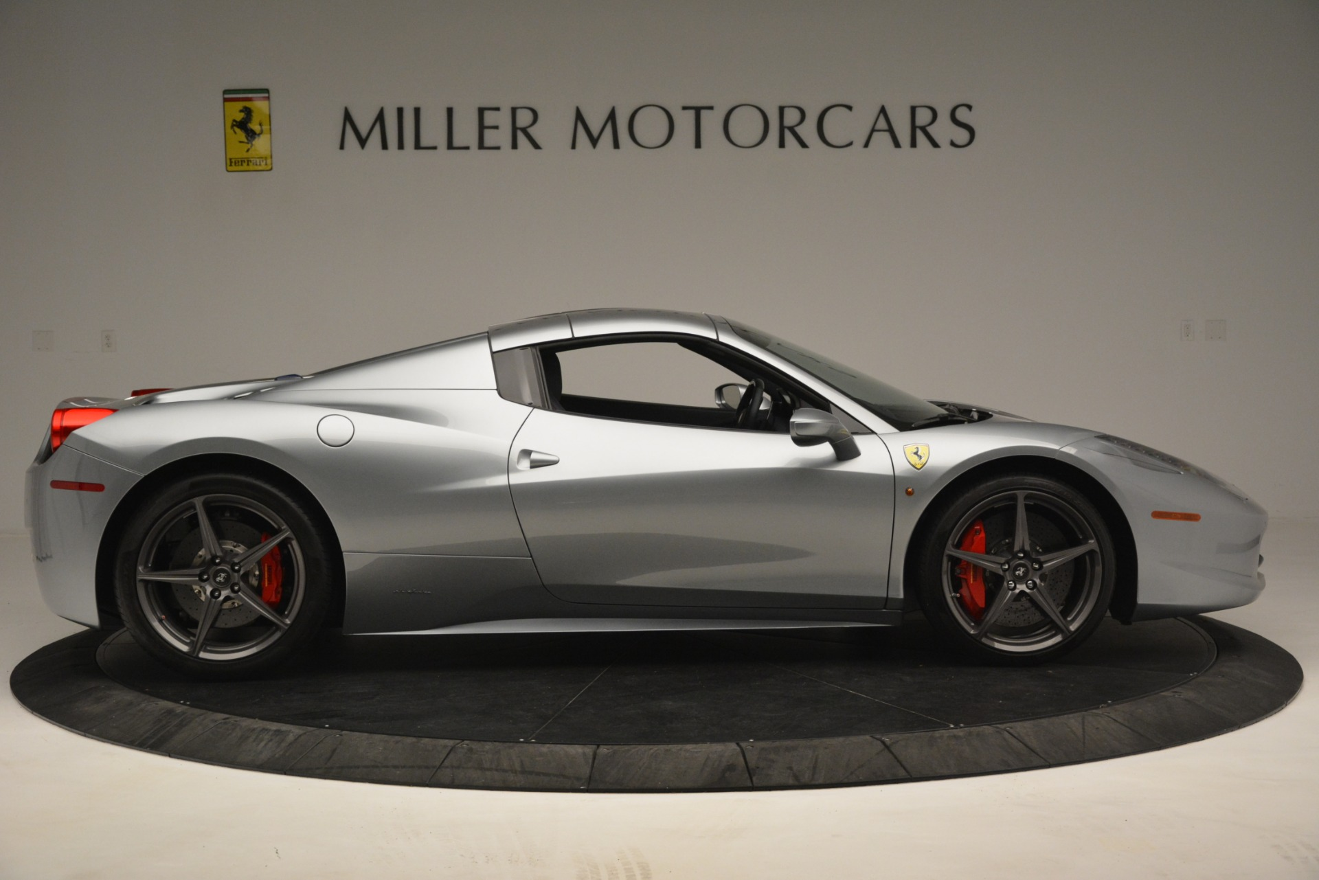 Used 2015 Ferrari 458 Spider  For Sale In Westport, CT 1667_p17