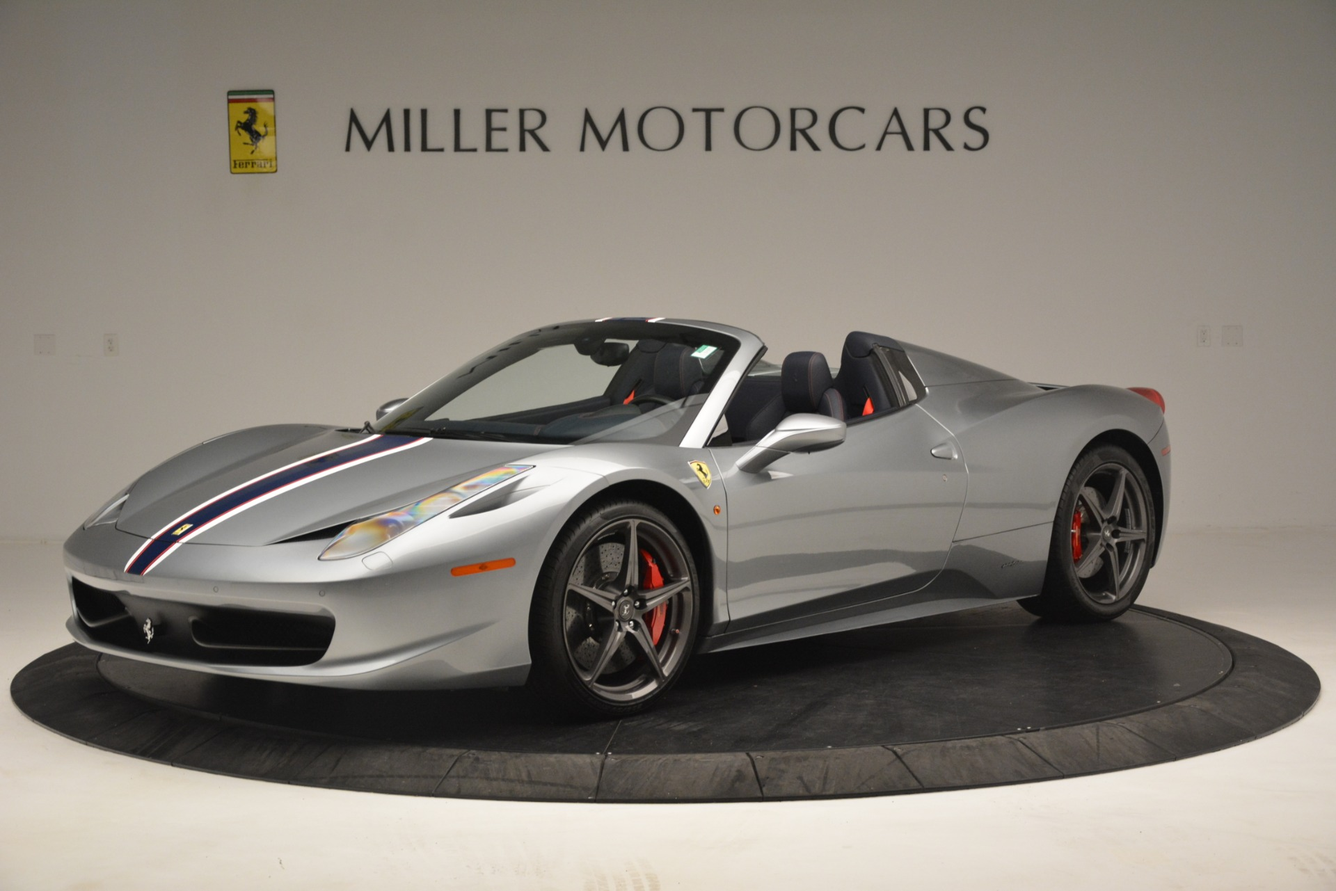 Used 2015 Ferrari 458 Spider  For Sale In Westport, CT 1667_p2
