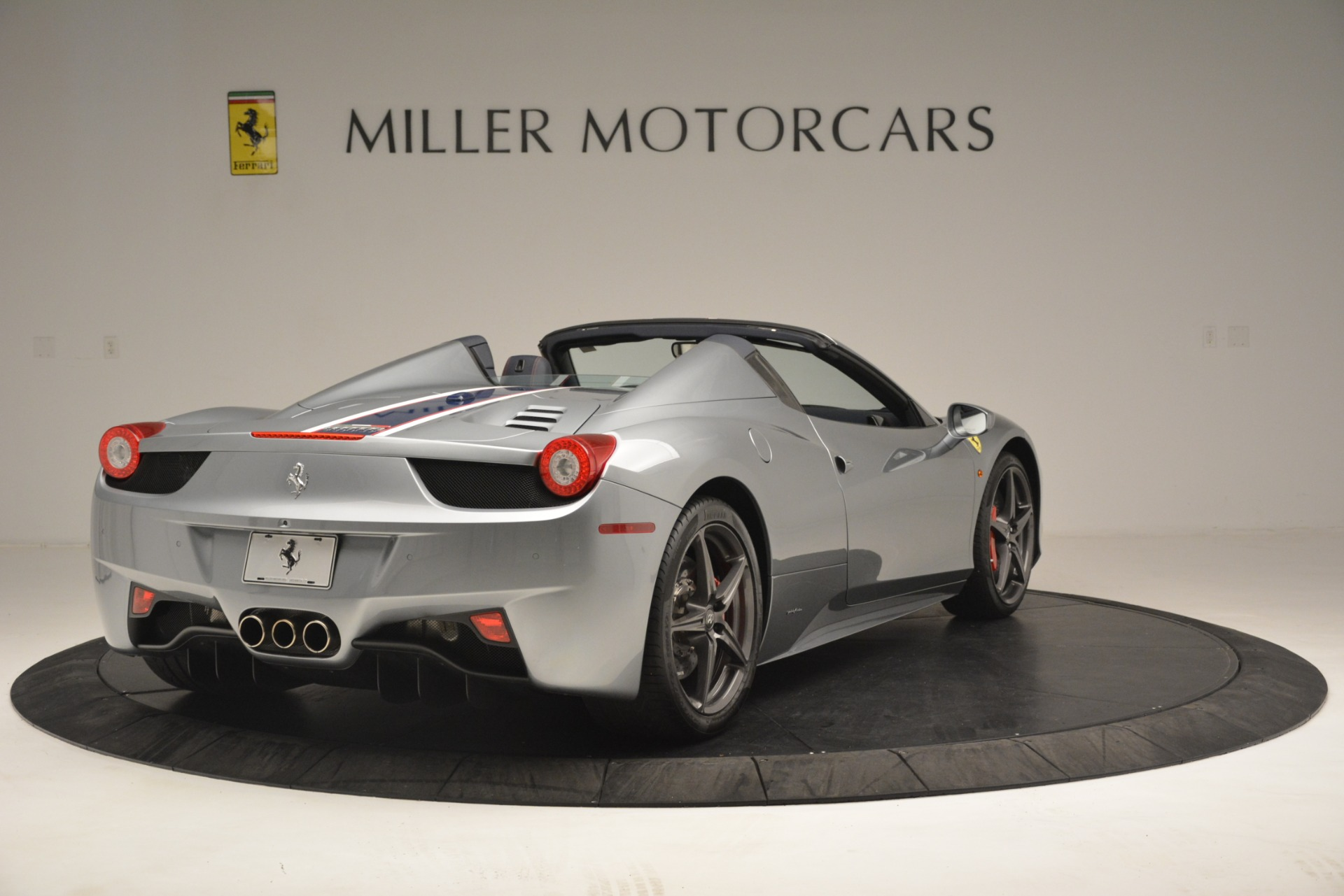 Used 2015 Ferrari 458 Spider  For Sale In Westport, CT 1667_p7