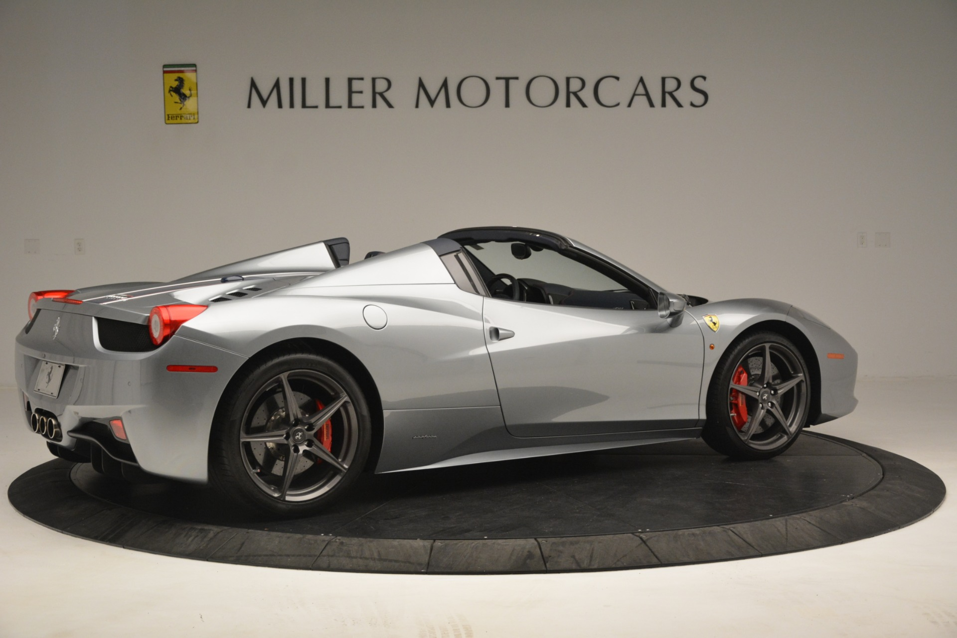 Used 2015 Ferrari 458 Spider  For Sale In Westport, CT 1667_p8