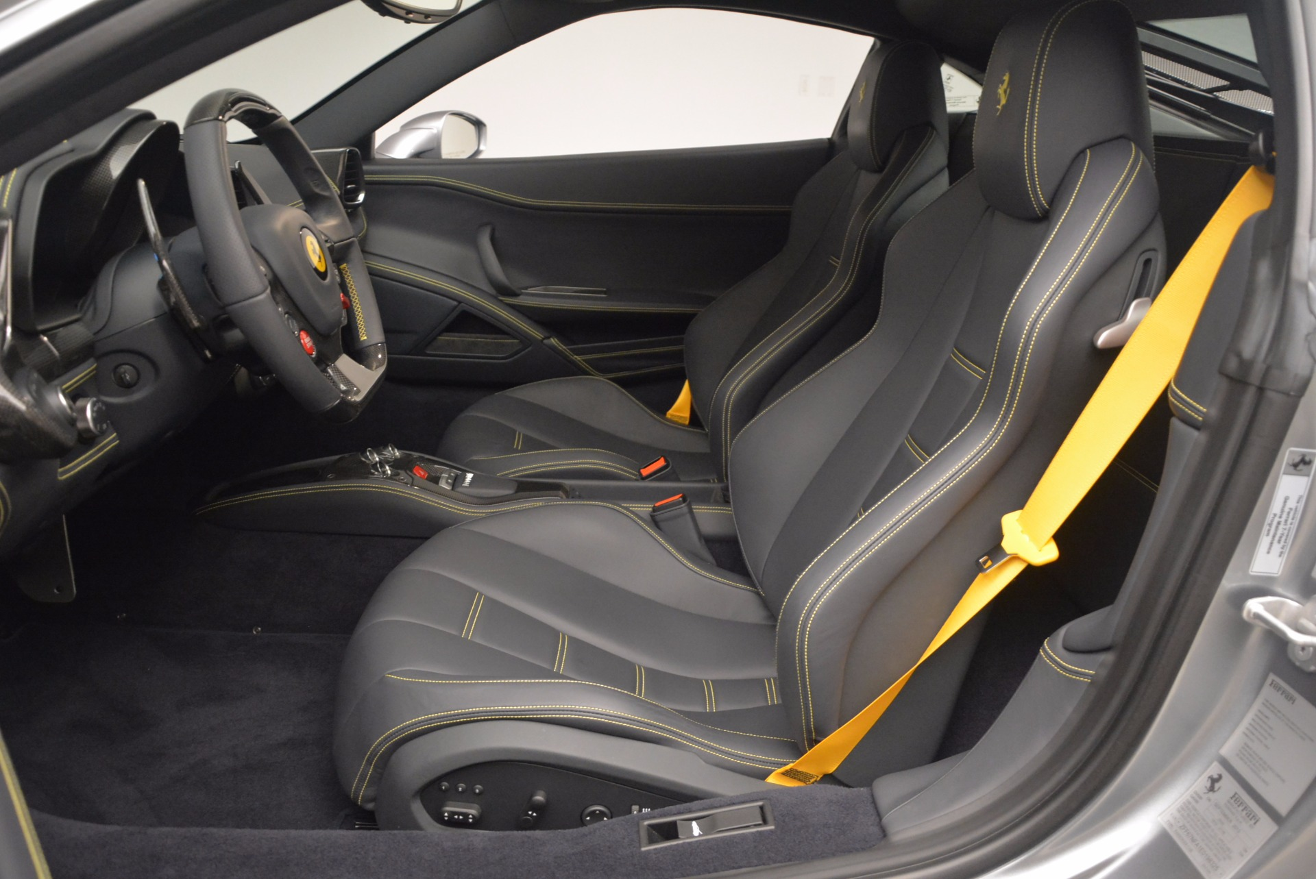 Used 2014 Ferrari 458 Italia  For Sale In Westport, CT 1669_p14