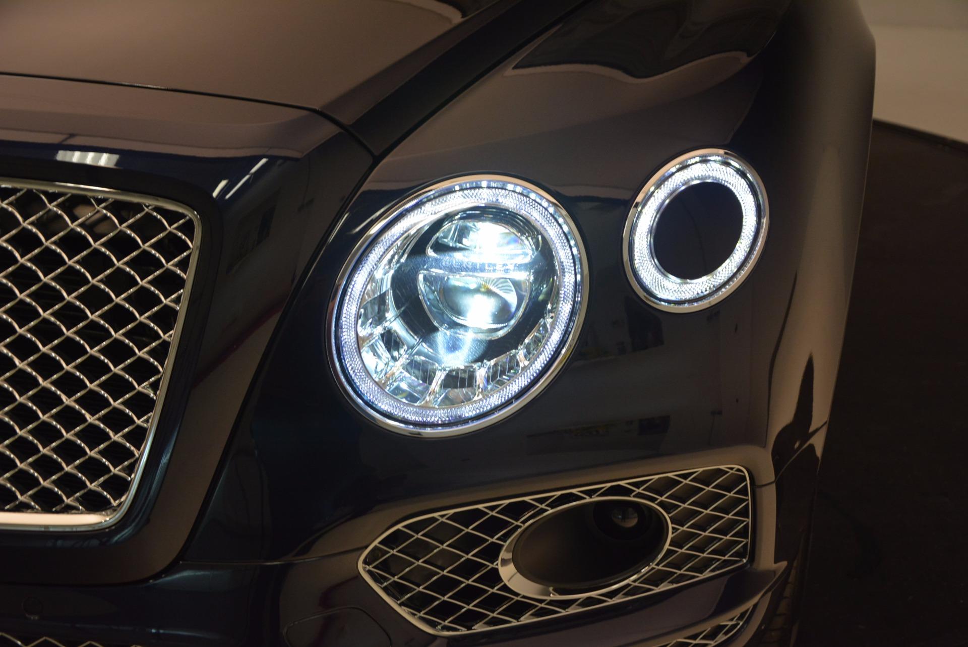 New 2018 Bentley Bentayga Signature For Sale In Westport, CT 1675_p16