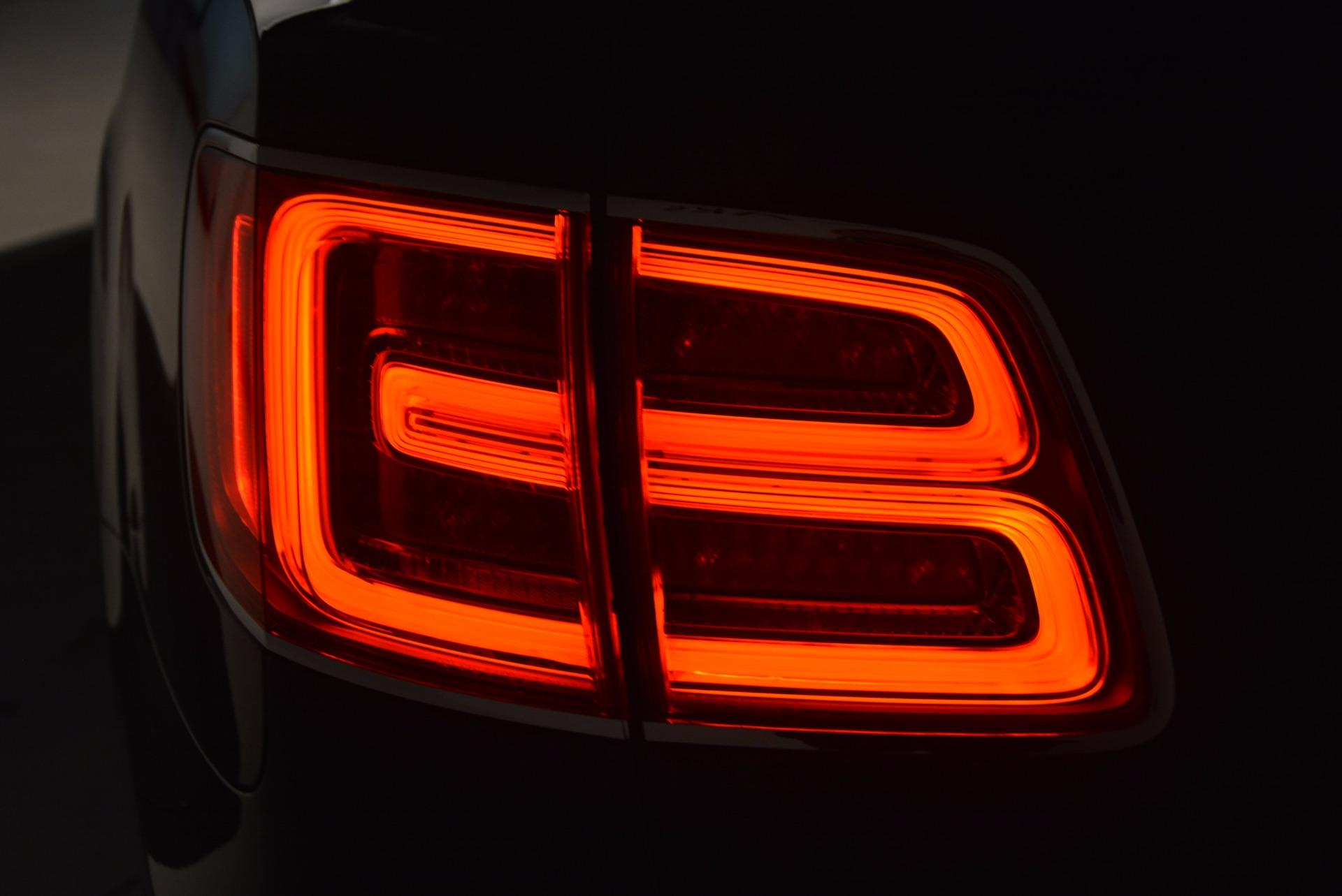 New 2018 Bentley Bentayga Signature For Sale In Westport, CT 1675_p17