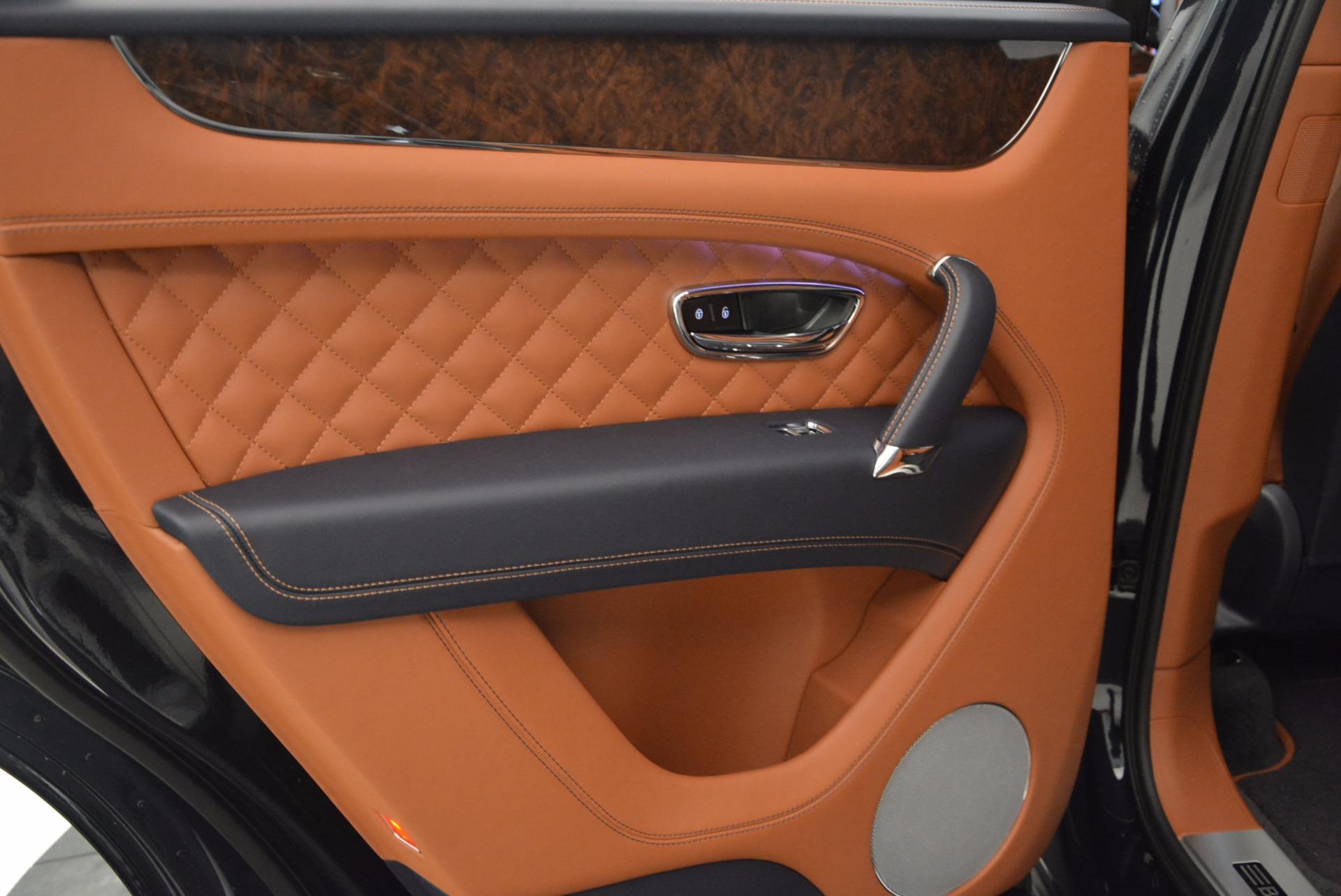 New 2018 Bentley Bentayga Signature For Sale In Westport, CT 1675_p31